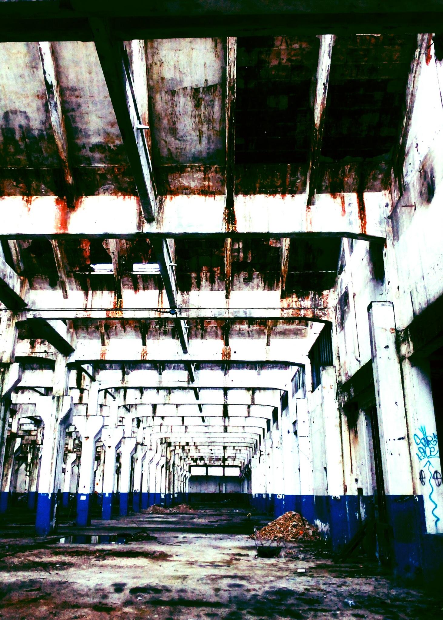 rusty space by Il Conte