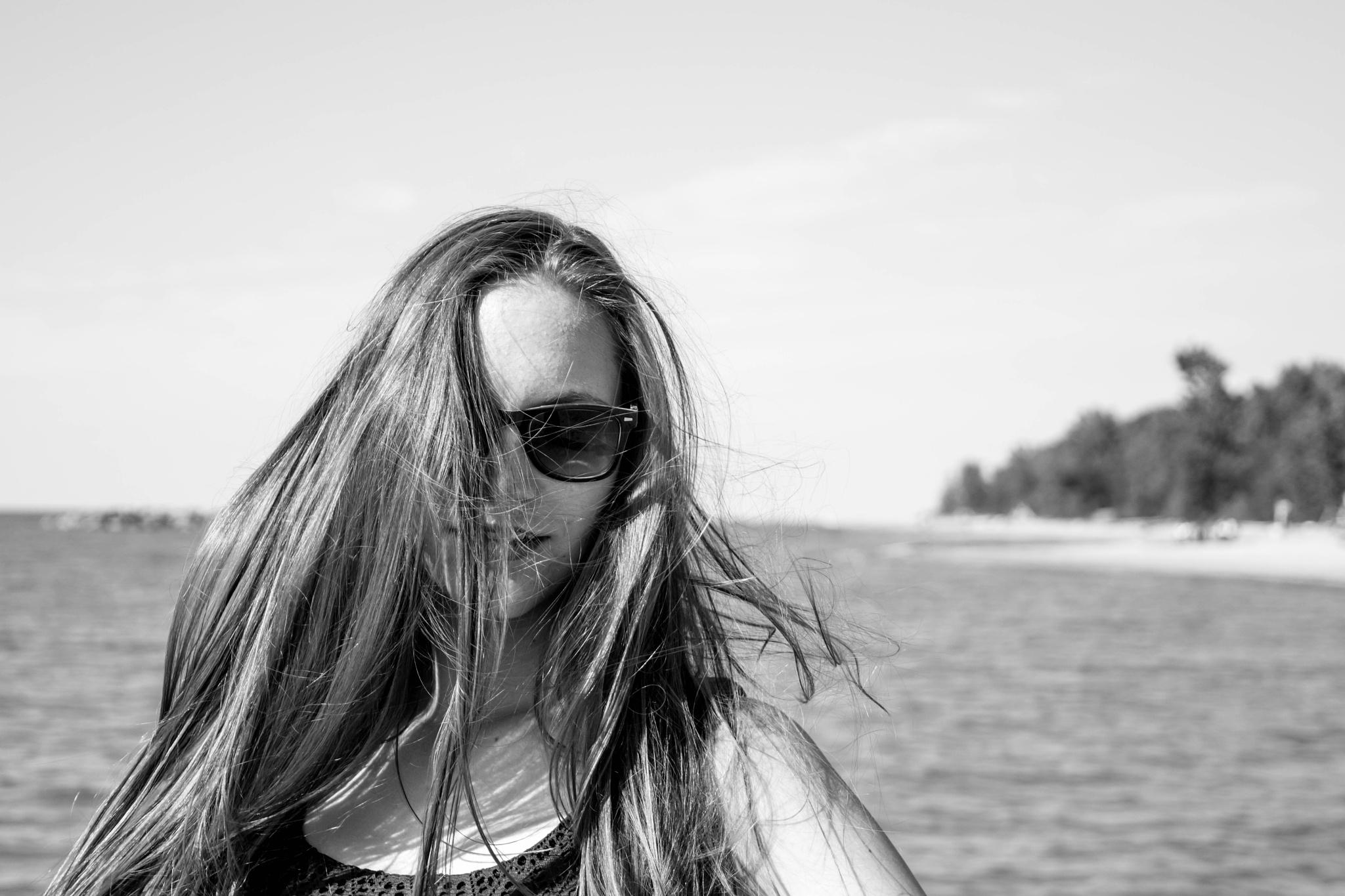 Beachblown Hair by tayygreeen