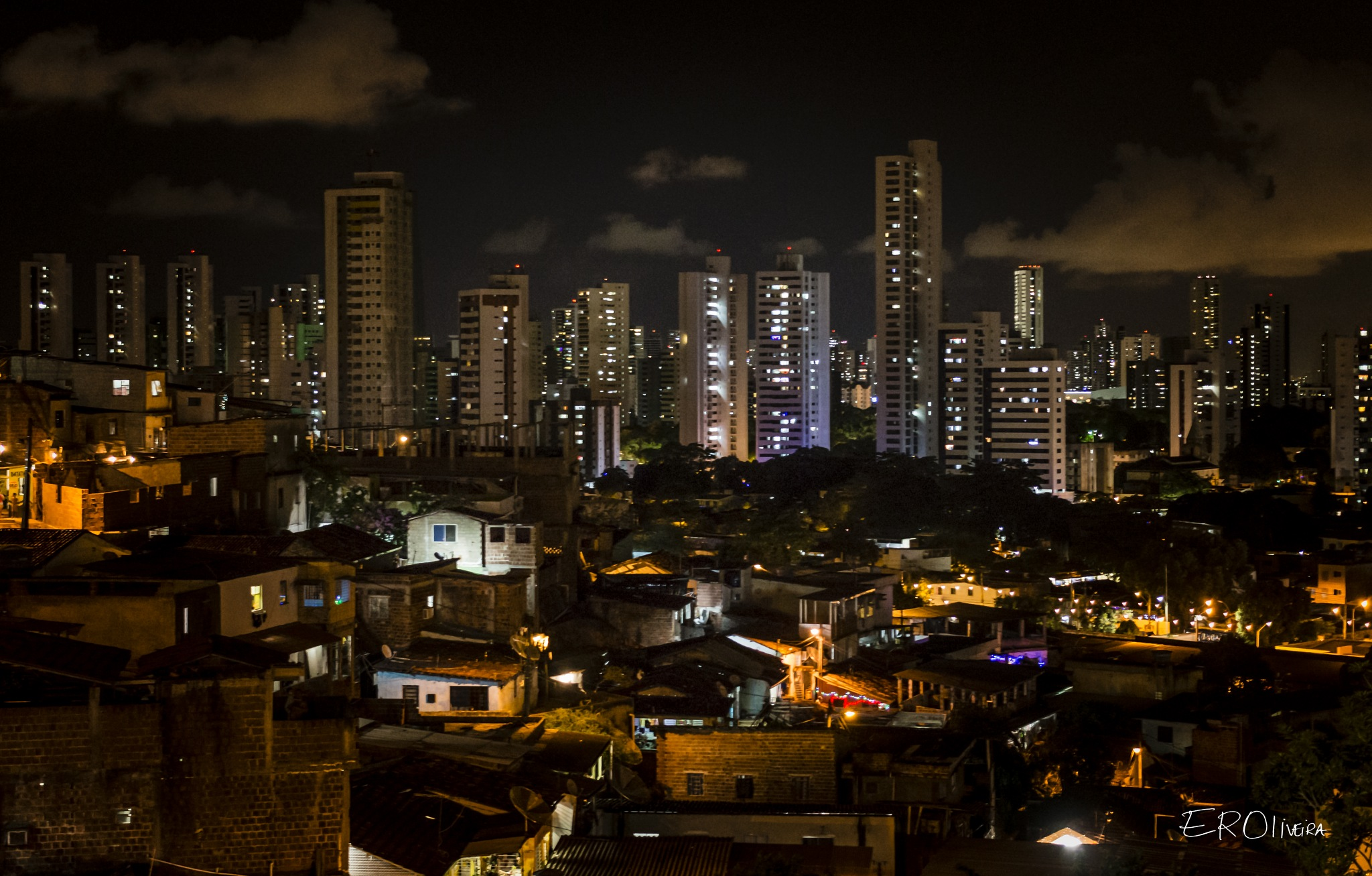 The Beauty of Social Contrast by EROliveira