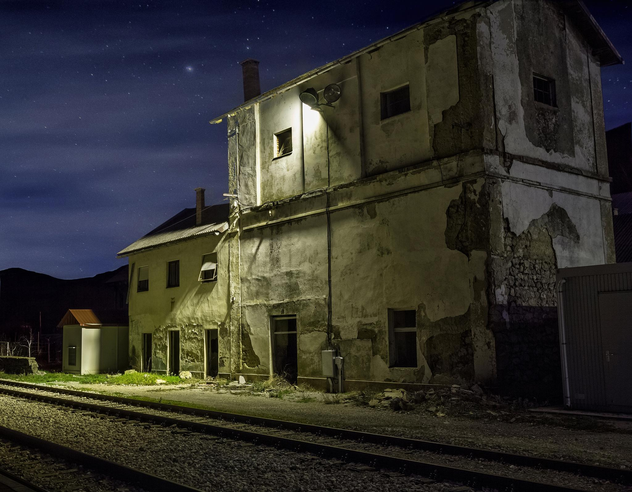 Abandoned railway house in Gračac, Croatia by Zoran Radakovic