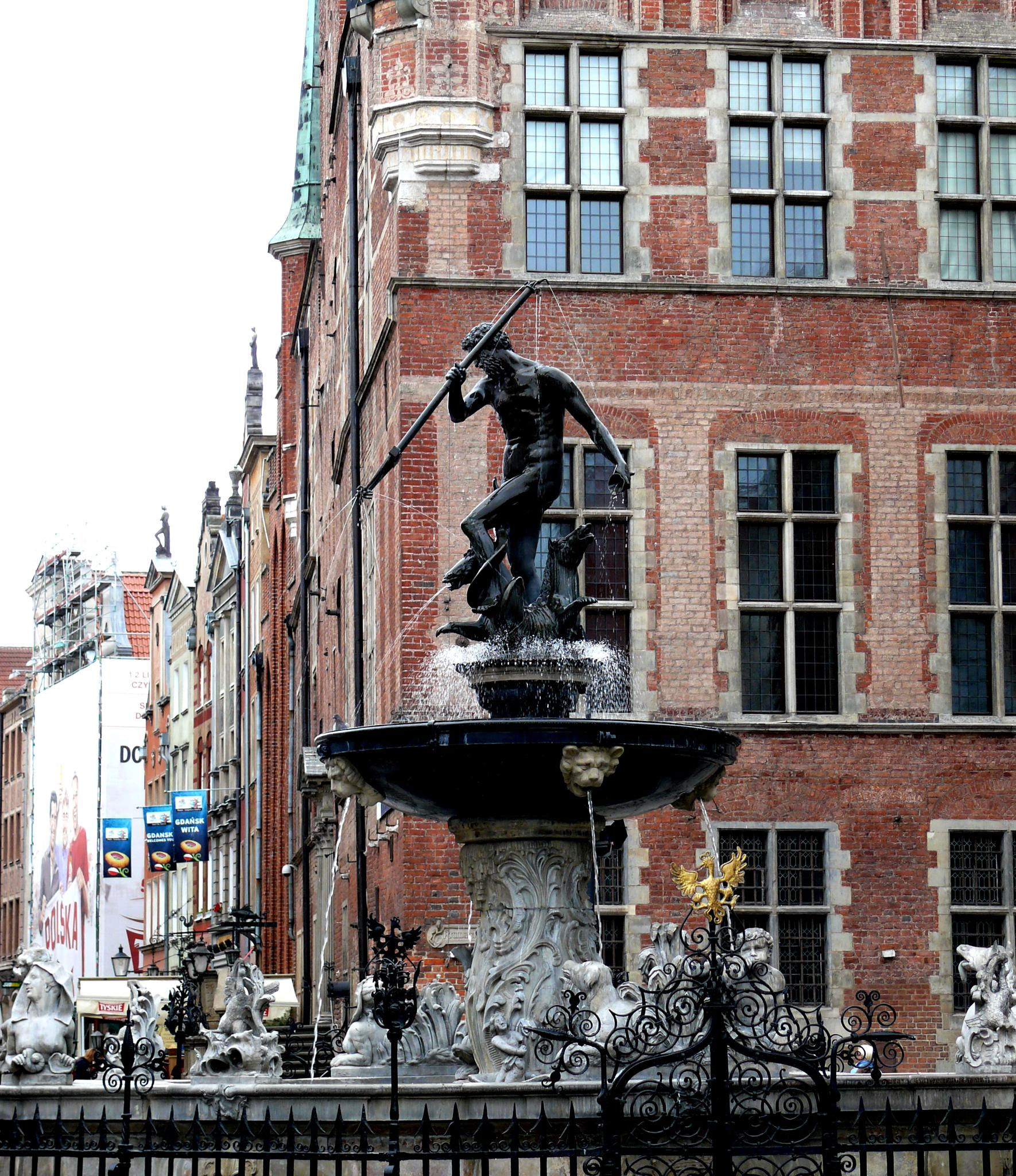 Neptune's Fountain, Gdansk, Poland by E.S.O