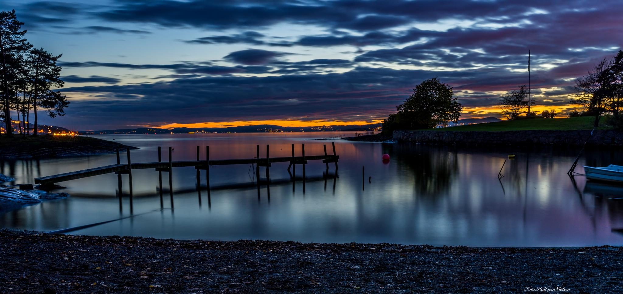 Sunset in Oslo today 20/10 to 14 by Hallgeir Nielsen