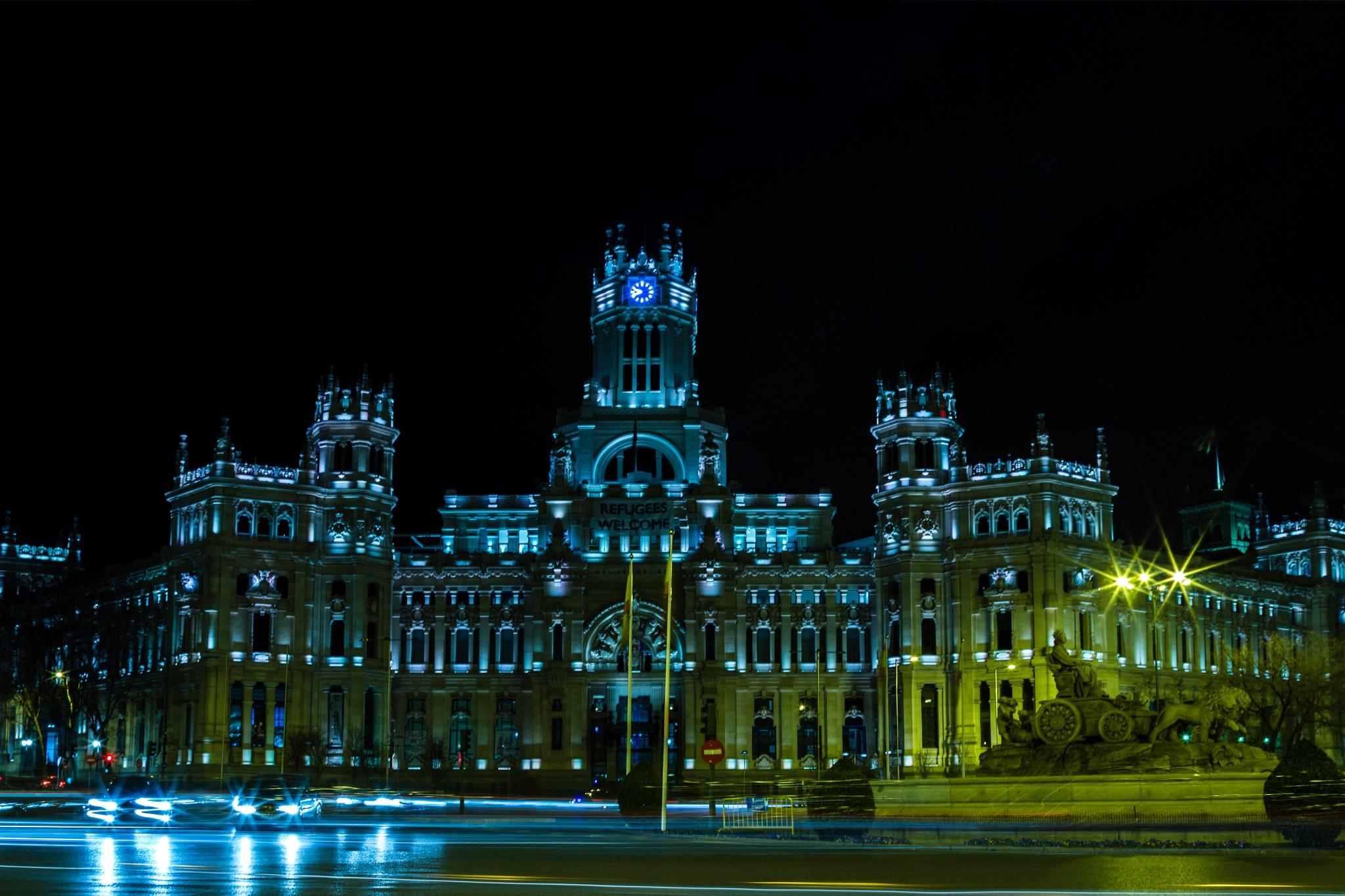 Palacio de Cibeles by Rodrigo Paredes