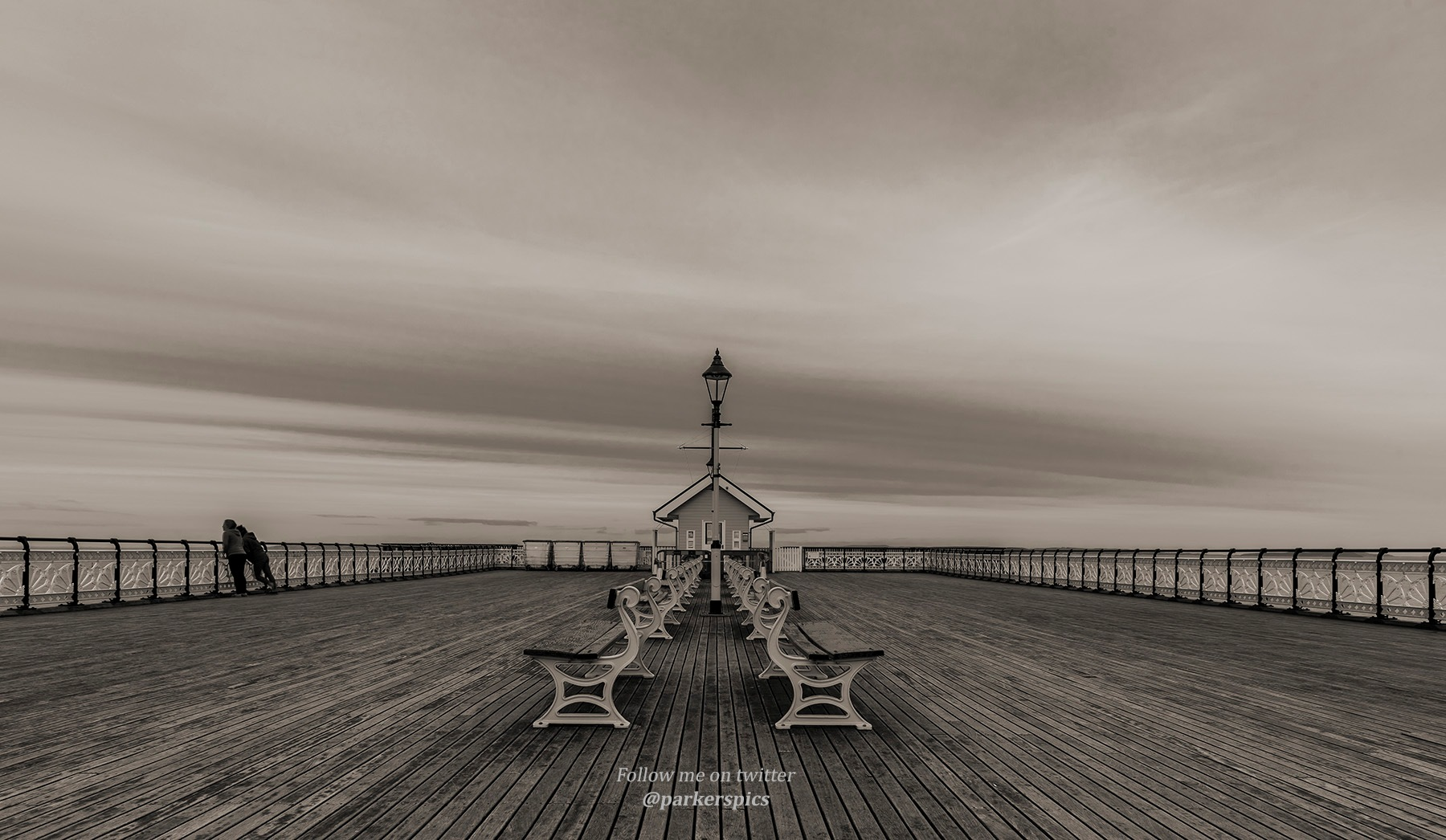 Penarth Pier (in the summer!) by Parkerspics