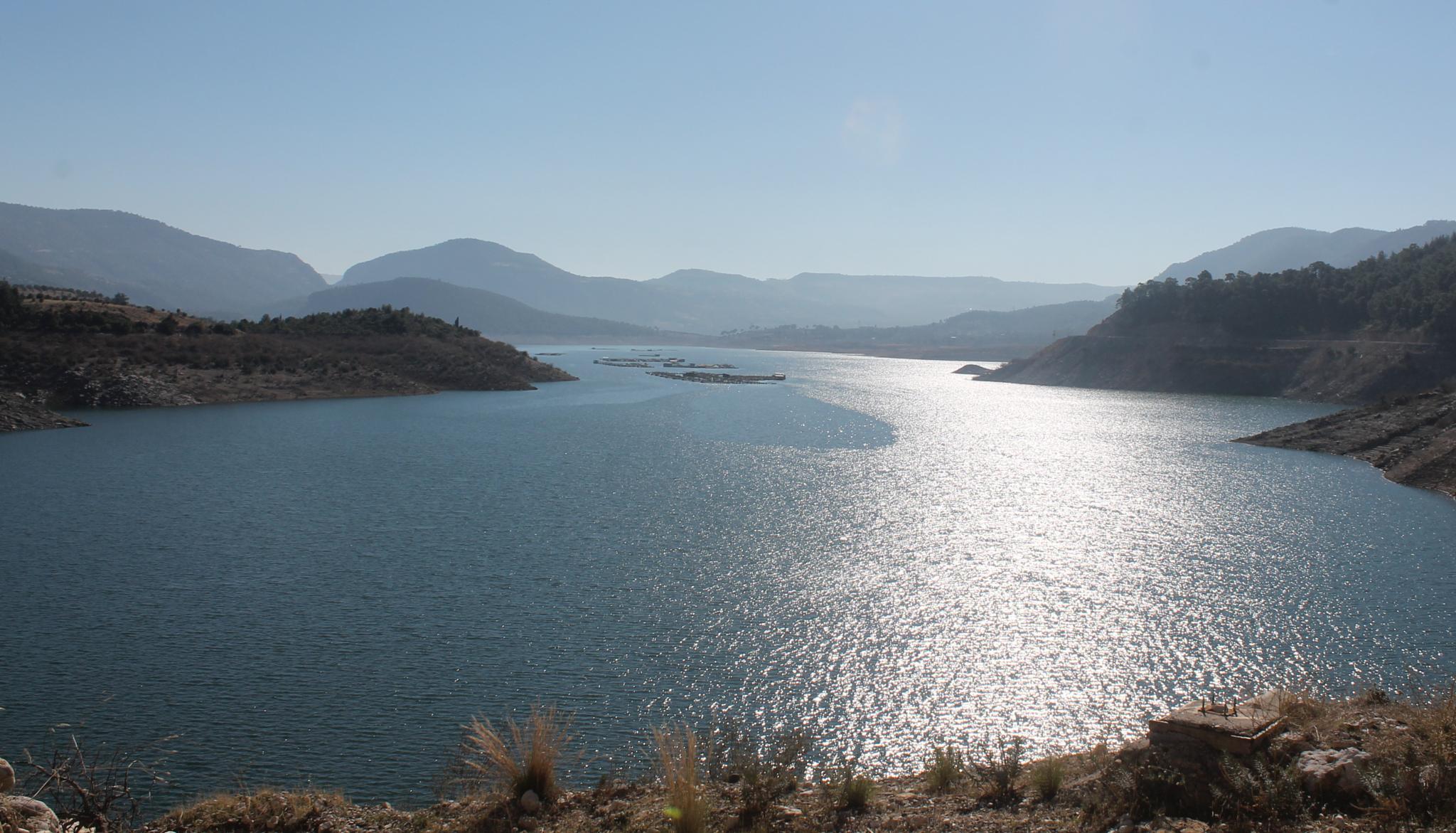 lake of kemer bent  by Ayberk SOYLU