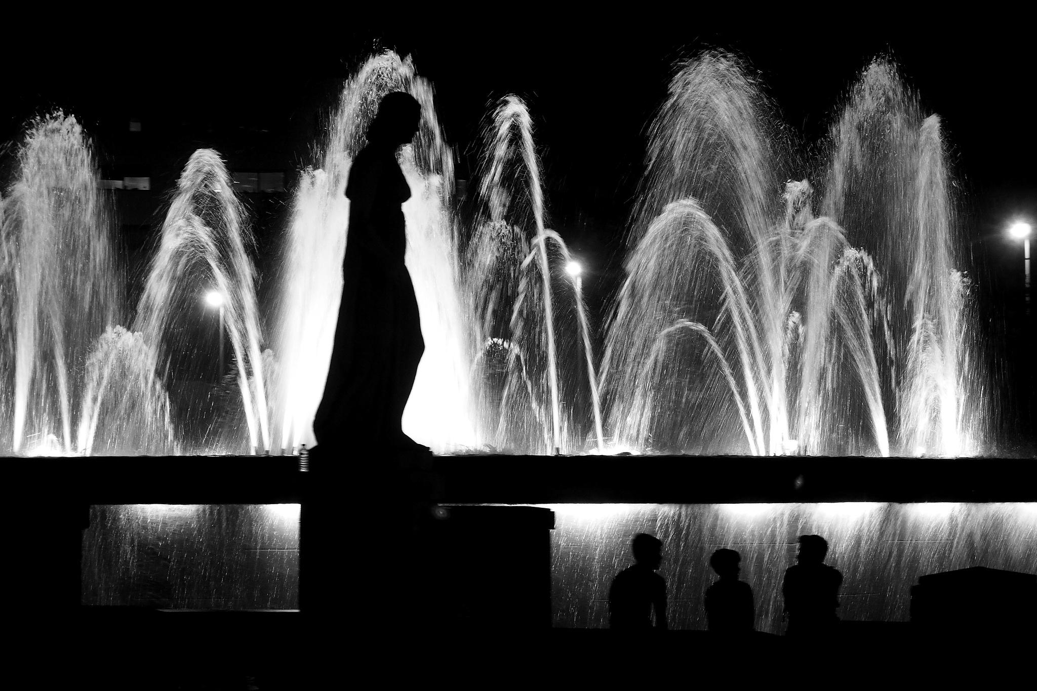 Barcelona, Plaça Catalunya /  Catalunya Square by Rocco Footography