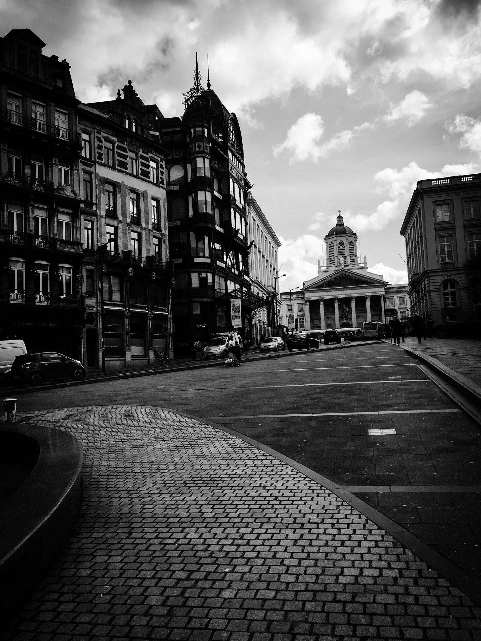 City life by IvonaPriest