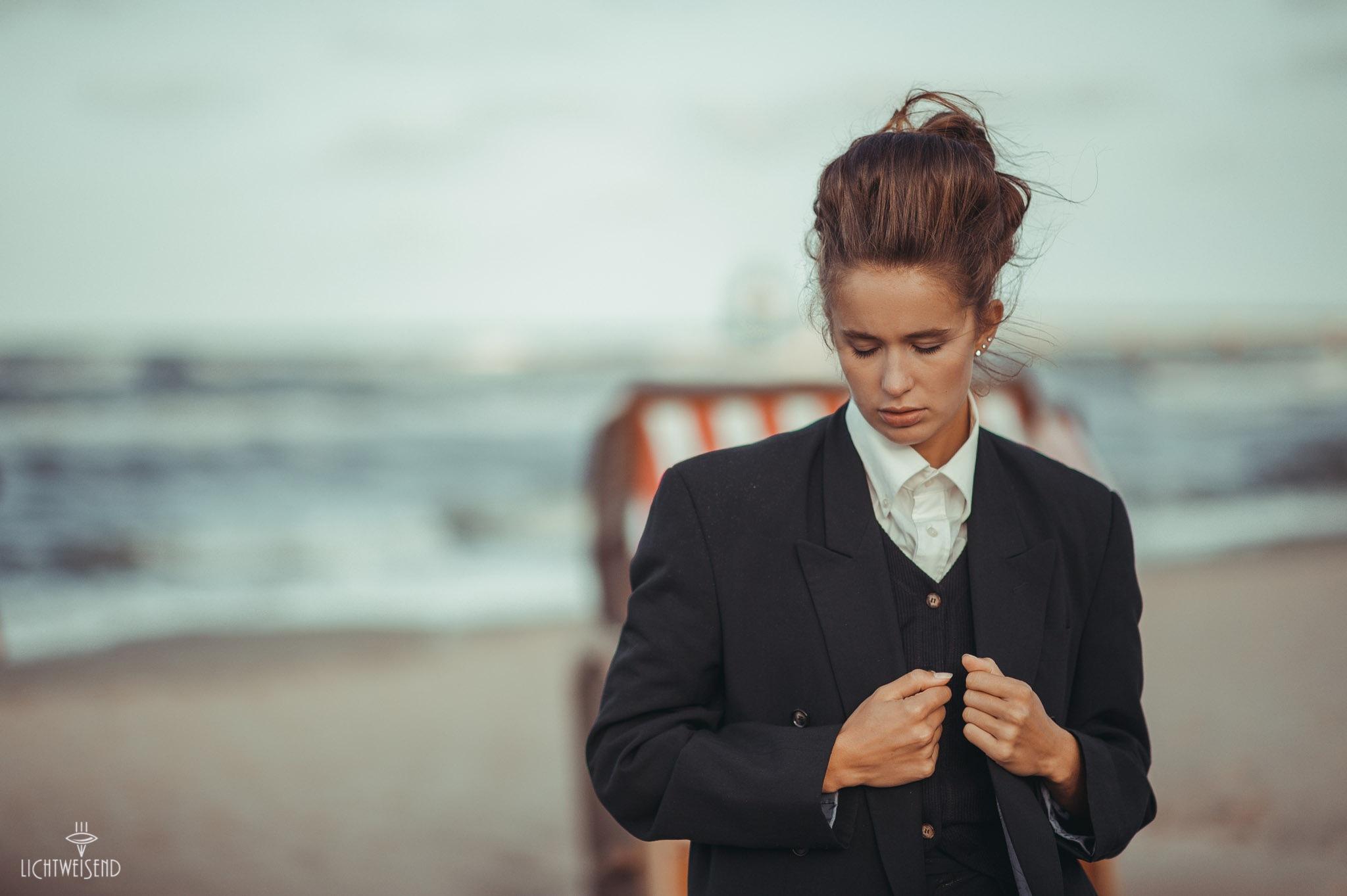 black suit by lichtweisend