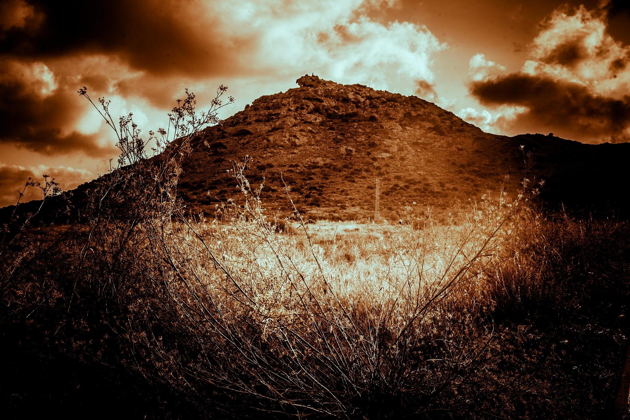Volcan El Carmolí by José Carlos Nievas // Nielprimero Nielultimo