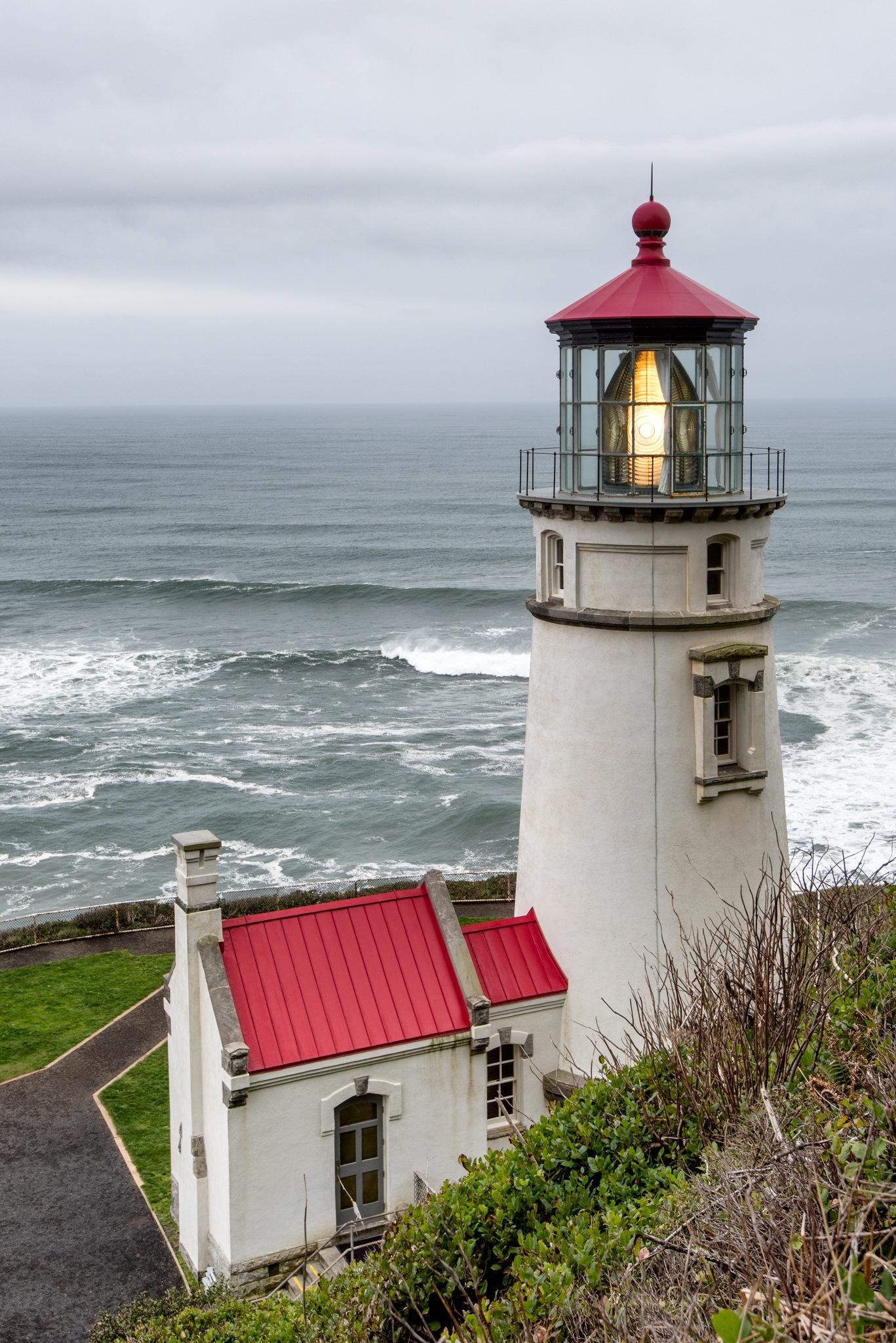Heceta Head Lighthouse by Mark Zukowski