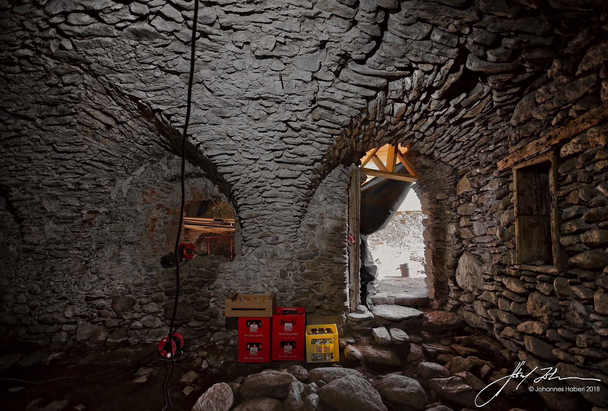 castle Hanfelden, Unterzeiring 18, cellar II / B&W + color by Johannes Haberl
