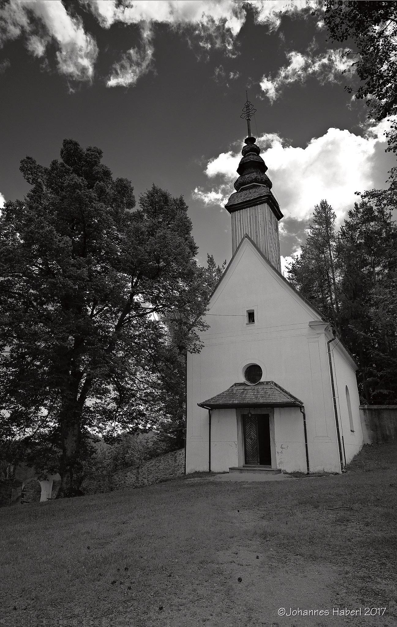 Sveti Duh - chapel in the courtyard / B&W by Johannes Haberl