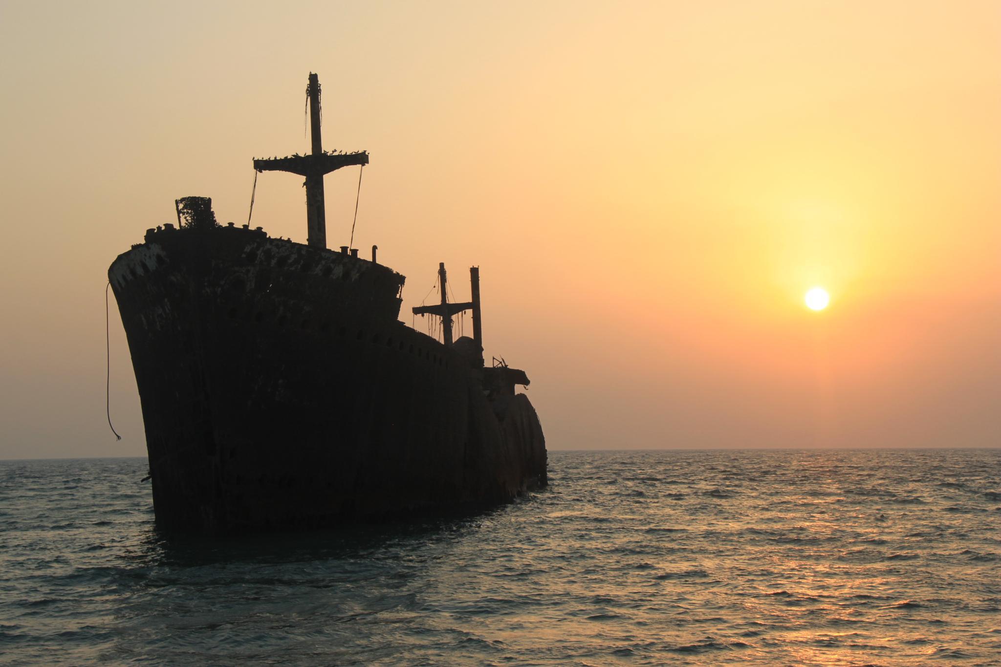 greek ship(kish_iran) by samanpic