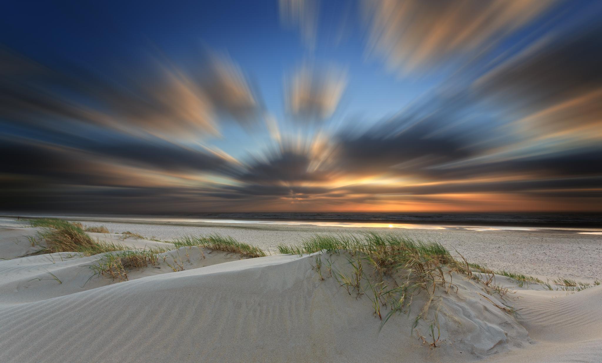 stormy sky by Jan Neumann