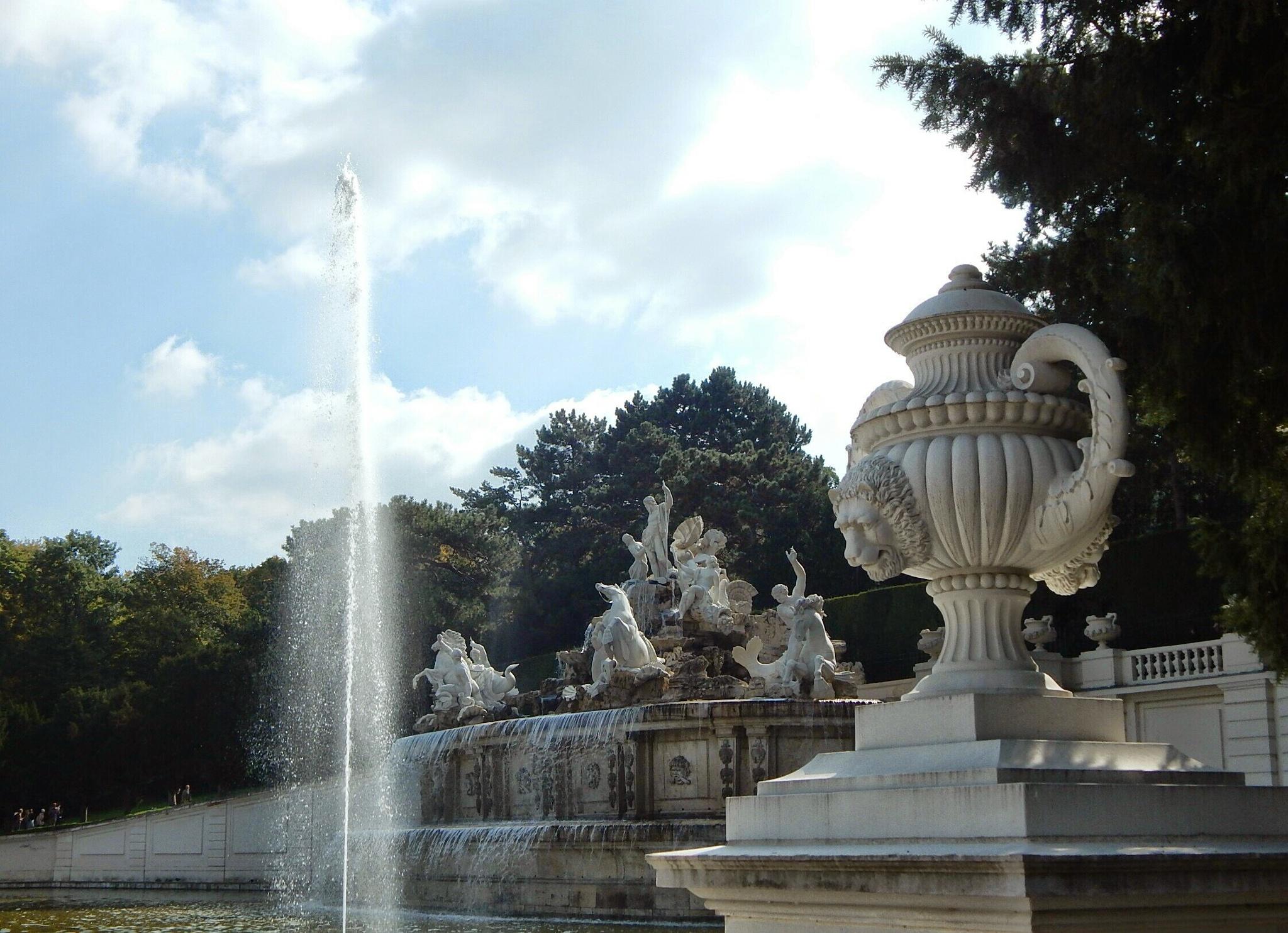 Schönbrunn, Vienna by Sylvia Ondok