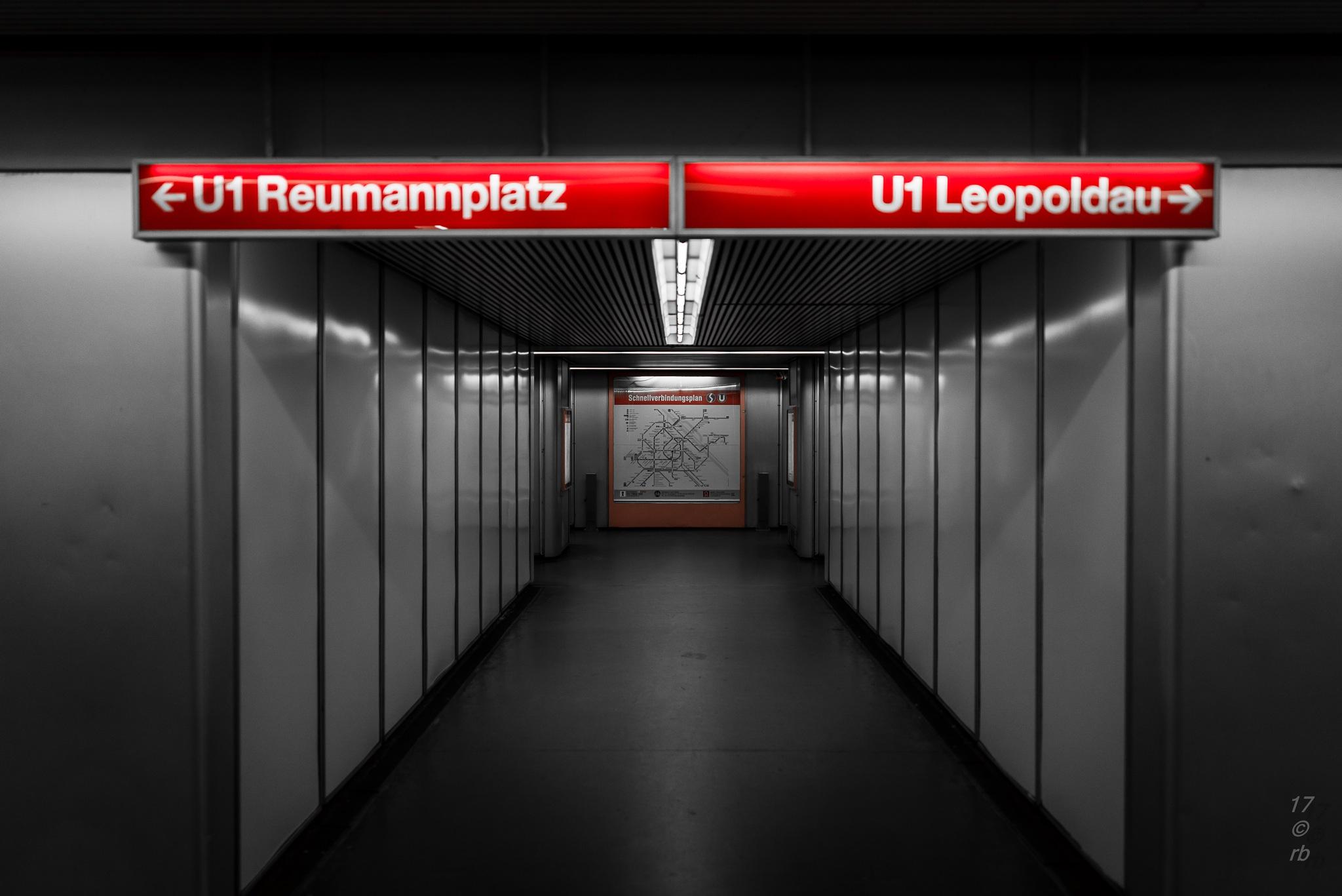 Im Untergrund by > Robert Braun <