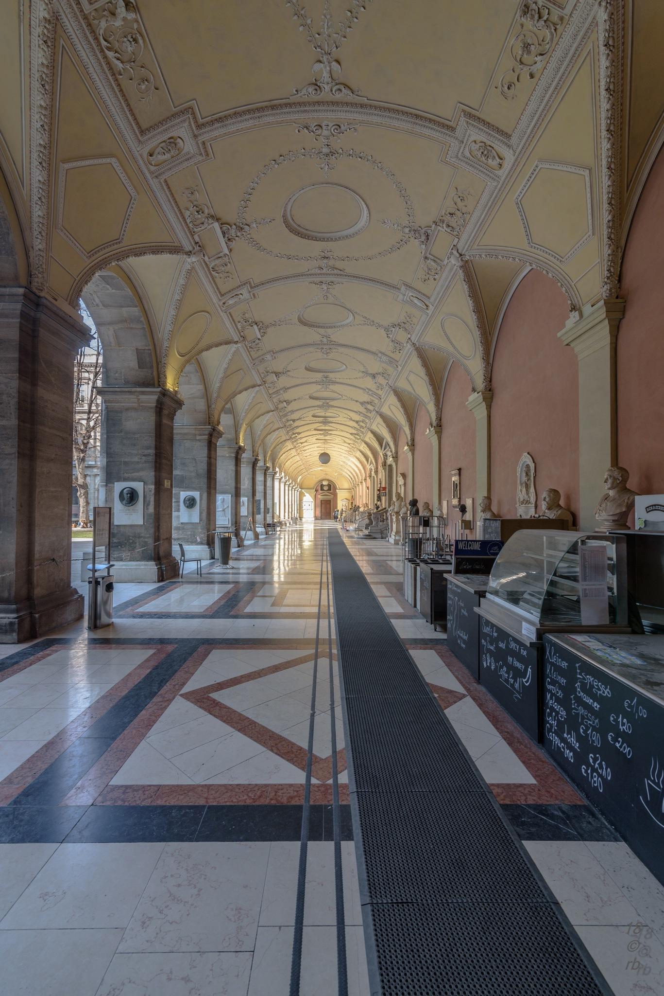 Uni Wien by > Robert Braun <