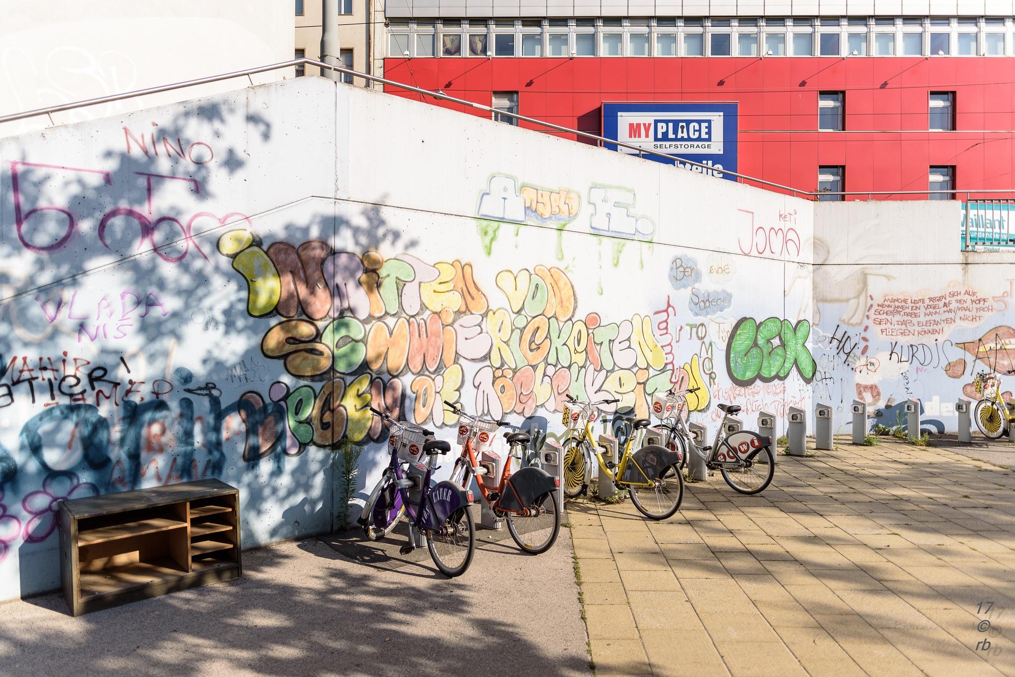 Street Art by > Robert Braun <