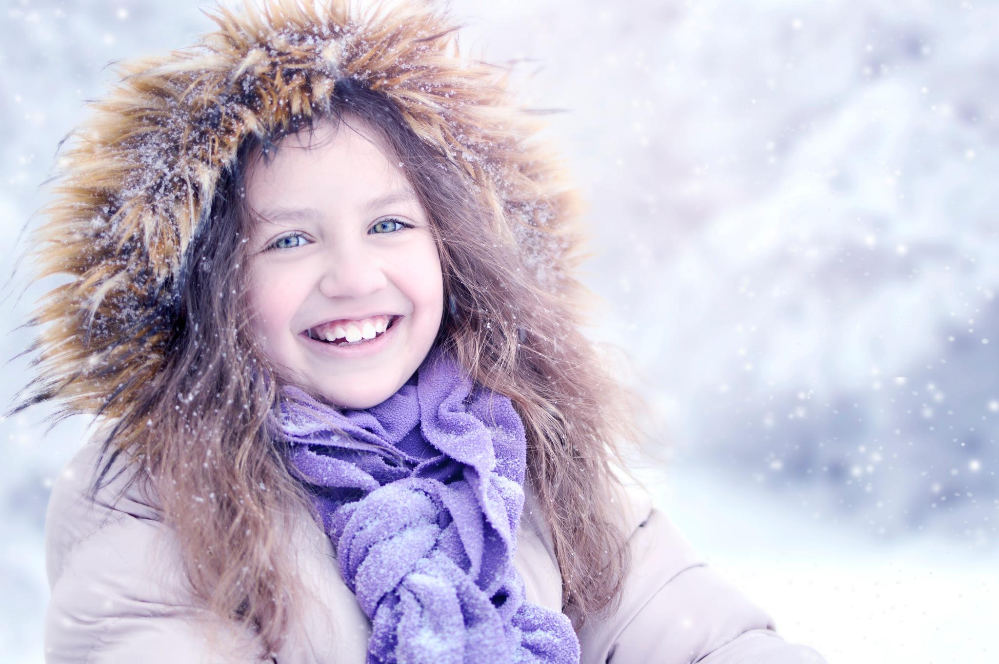 Snow girl by RumiSt