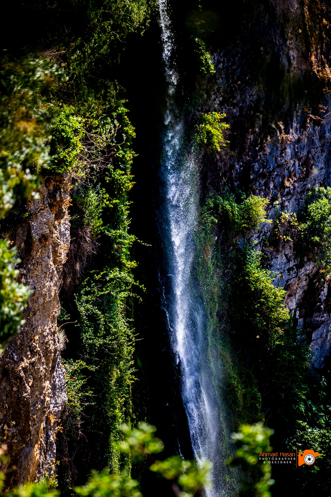 Jazine waterfall by Tamuz Hasan