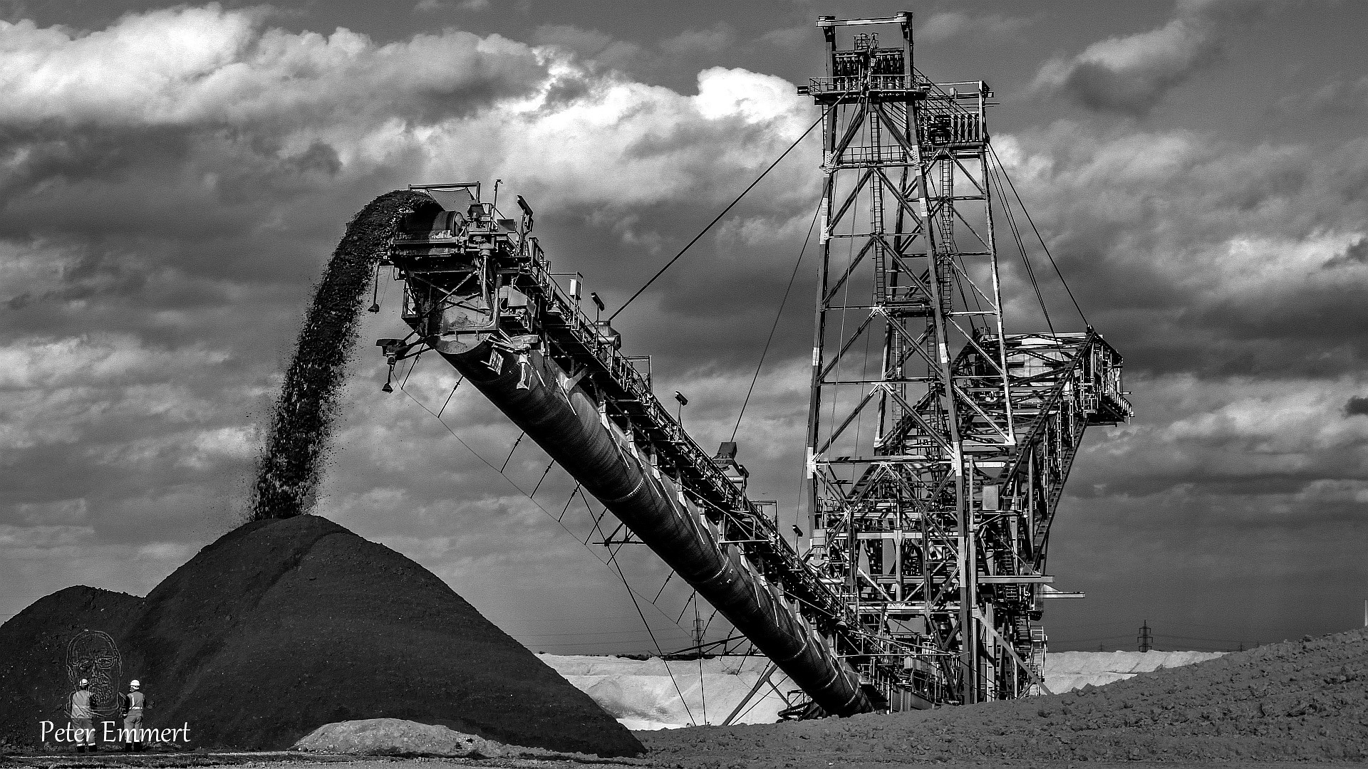 Photo in Black and White #braunkohle #absetzer #bagger