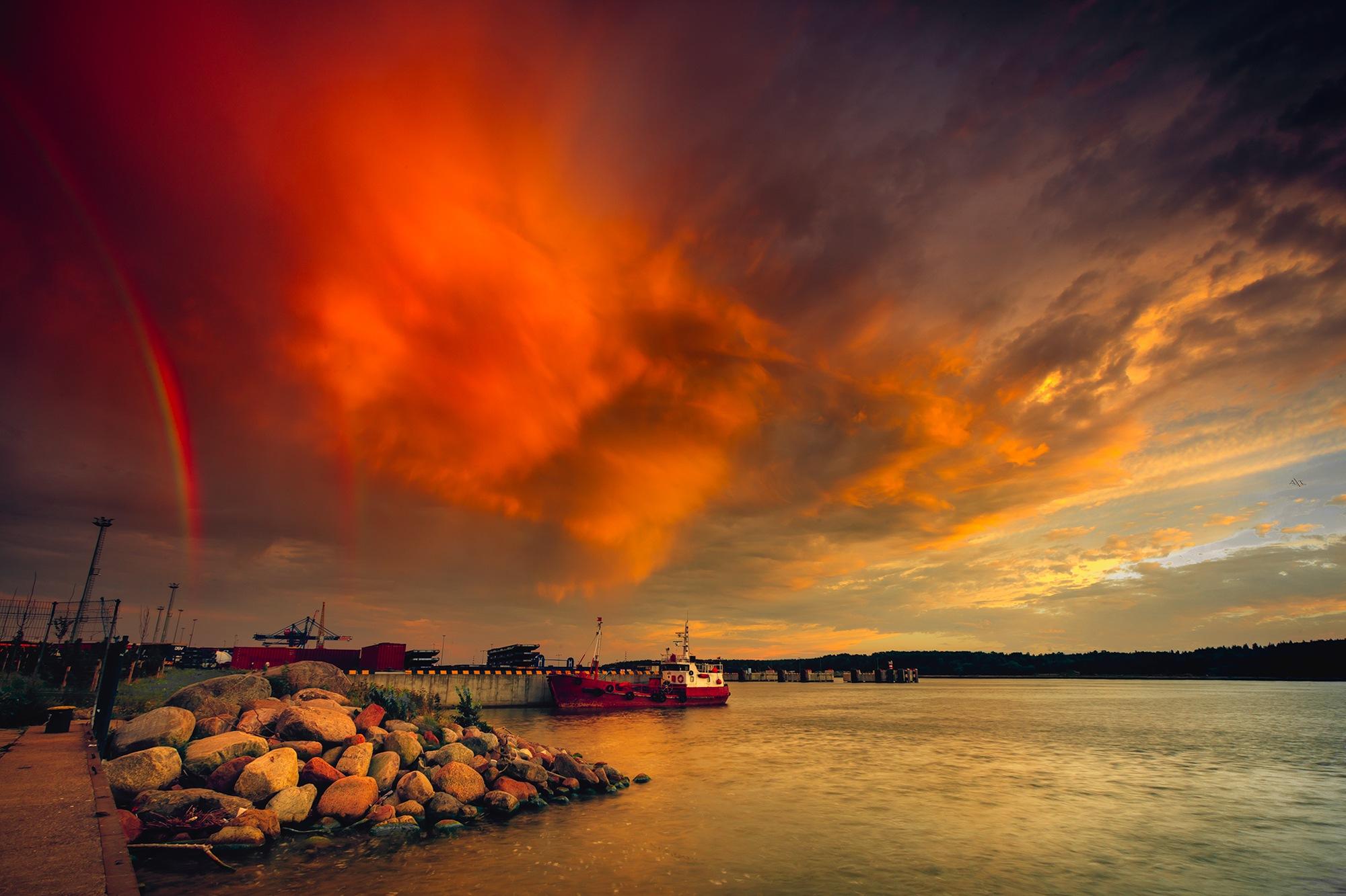 Sky Dances  by Ruslan  Bolgov (Axe Photography)