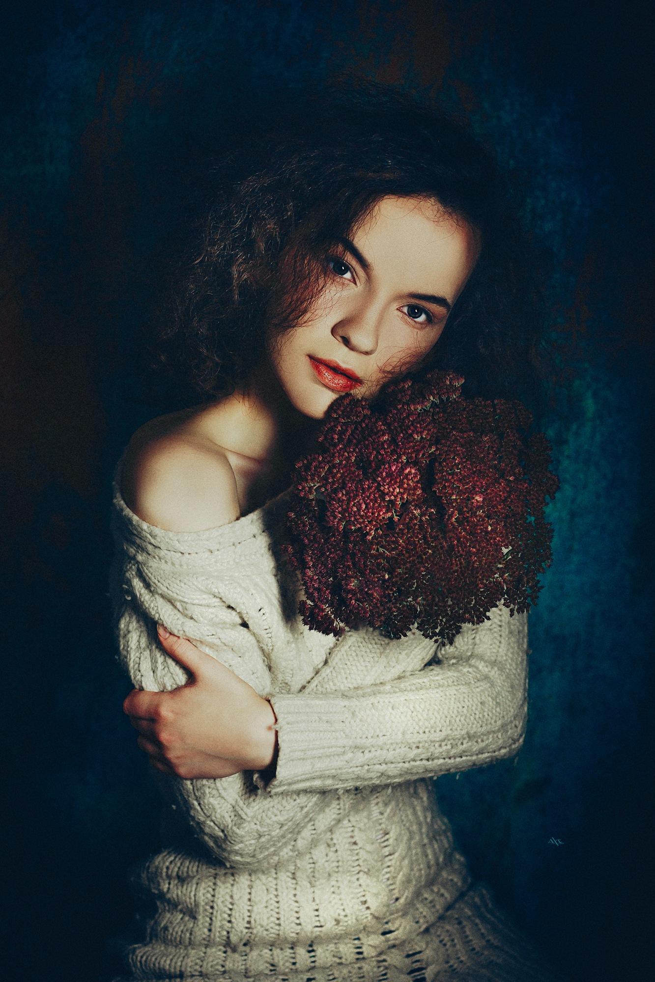 Photo in Portrait #woman #portrait #studio #art #flowers