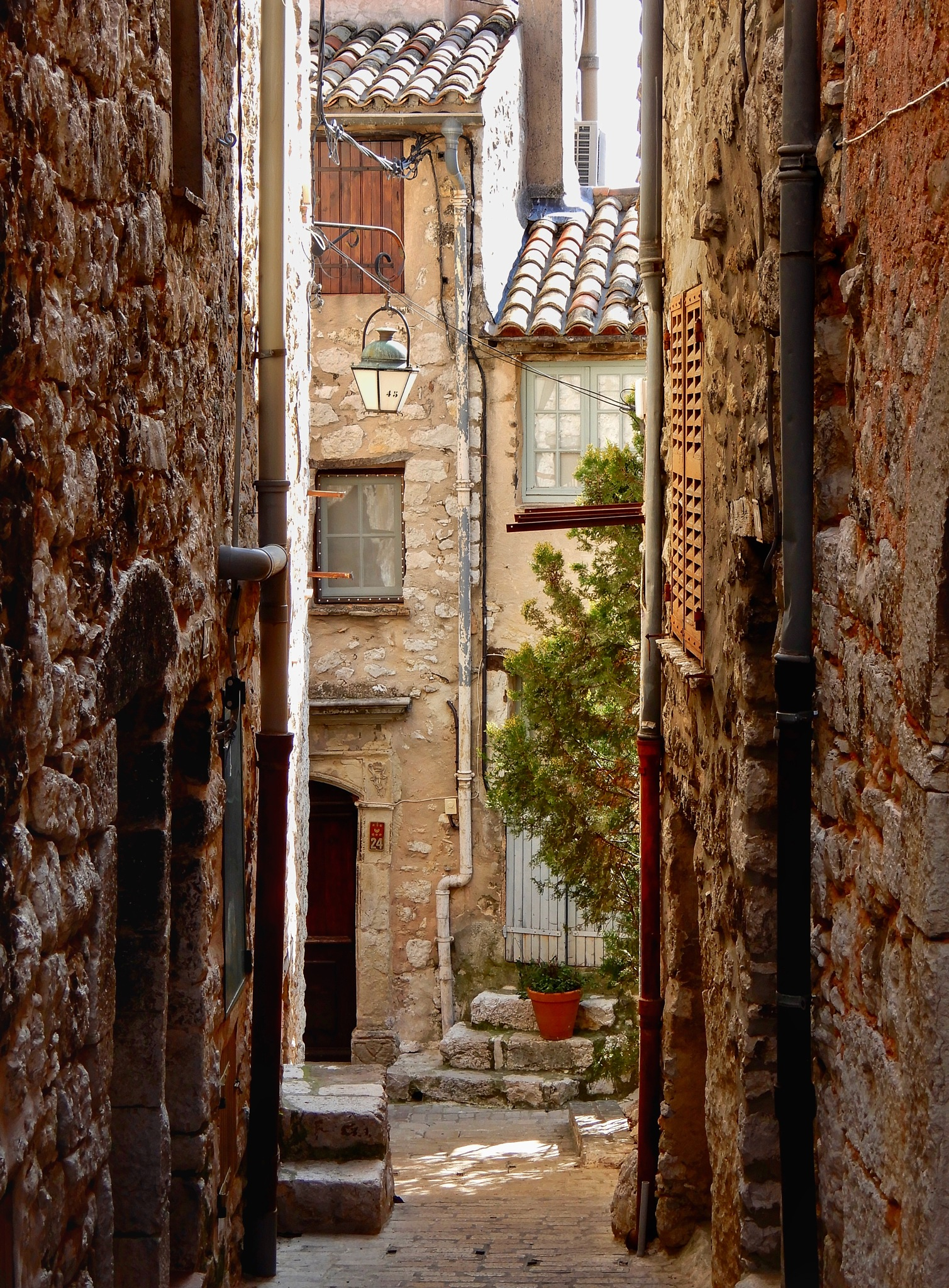 A street in Provence (2) by Jackie06