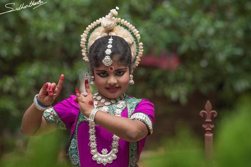 Odissi by Sidhartha De