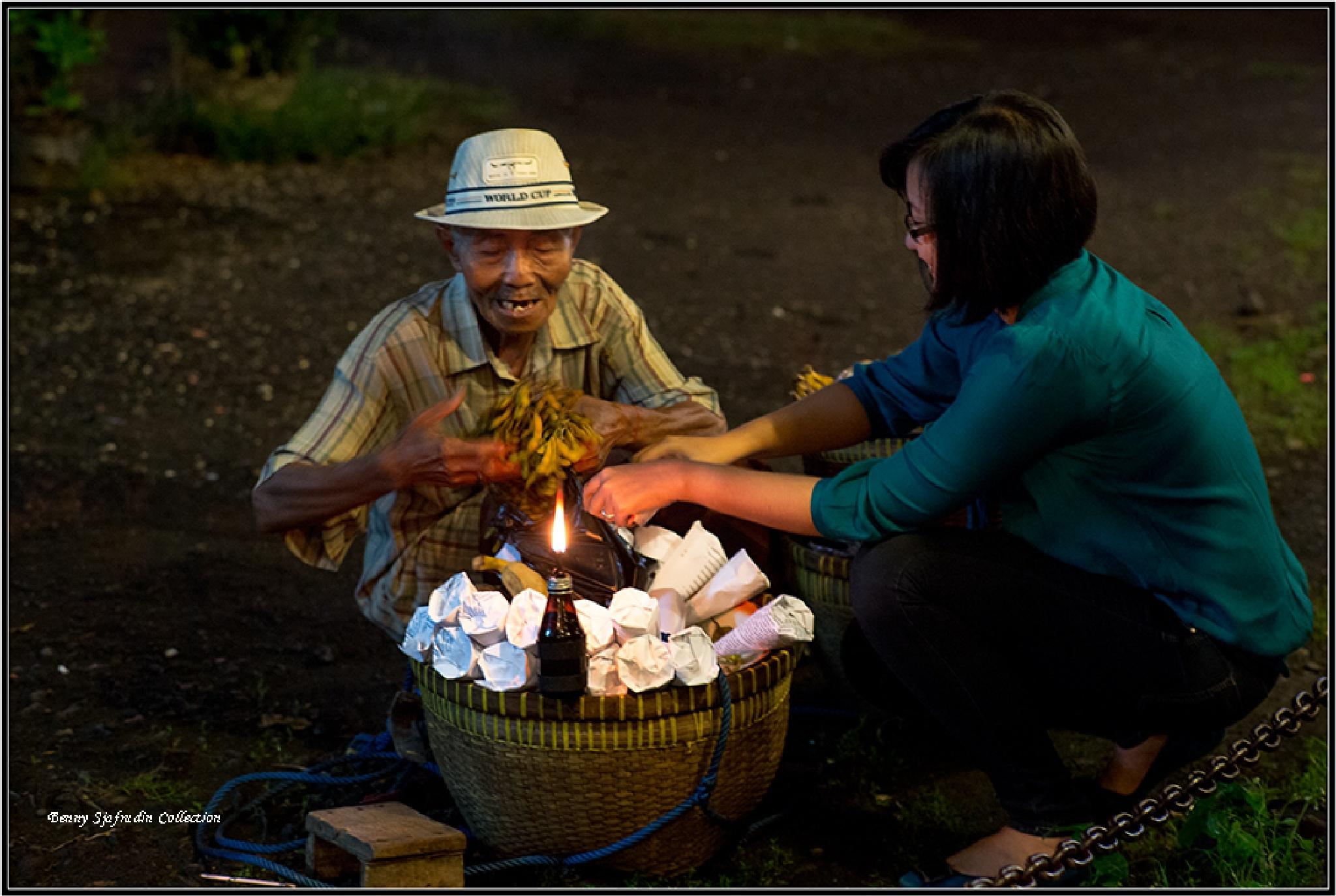 Selling peanut by bennysjafrudin