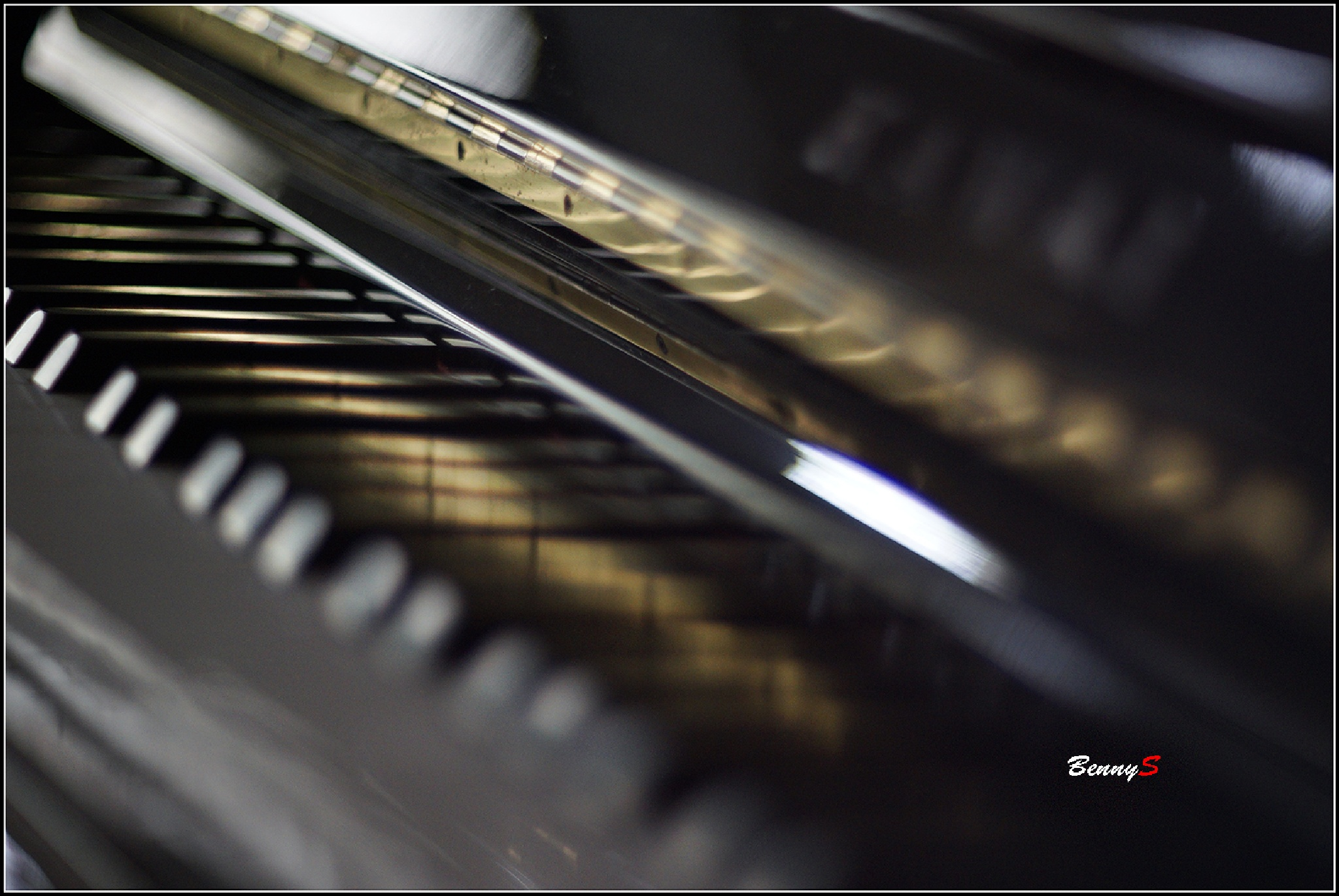 Piano by bennysjafrudin