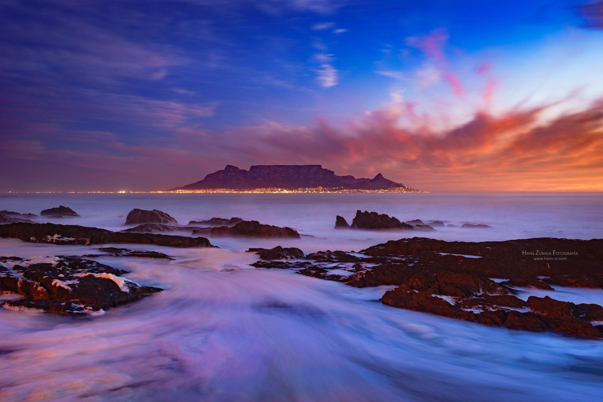 Table Mountain, Cape town by Hans Zuñiga Rojas