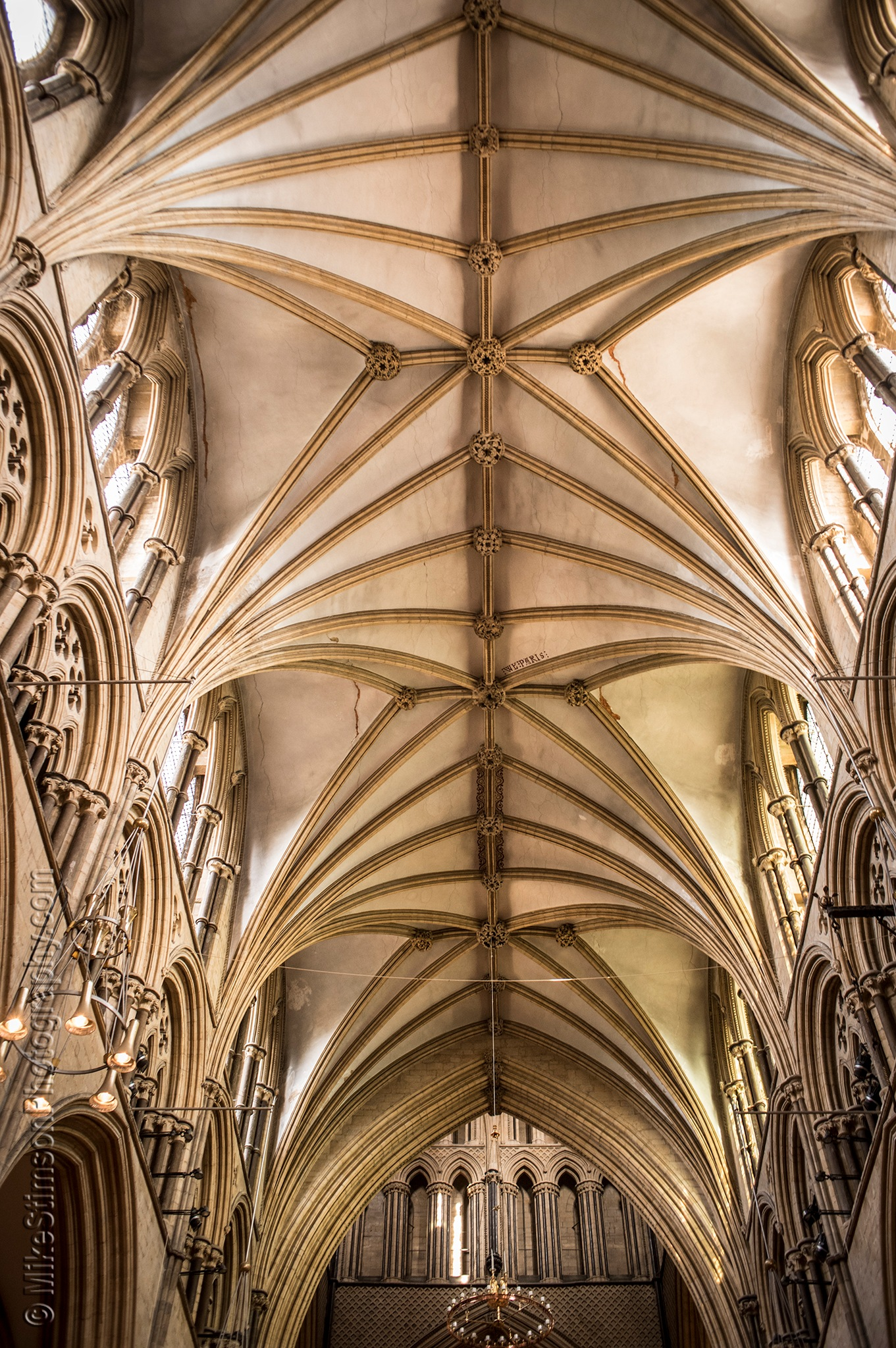 Lincoln cathedral, Interior 2 by Mike Stimson