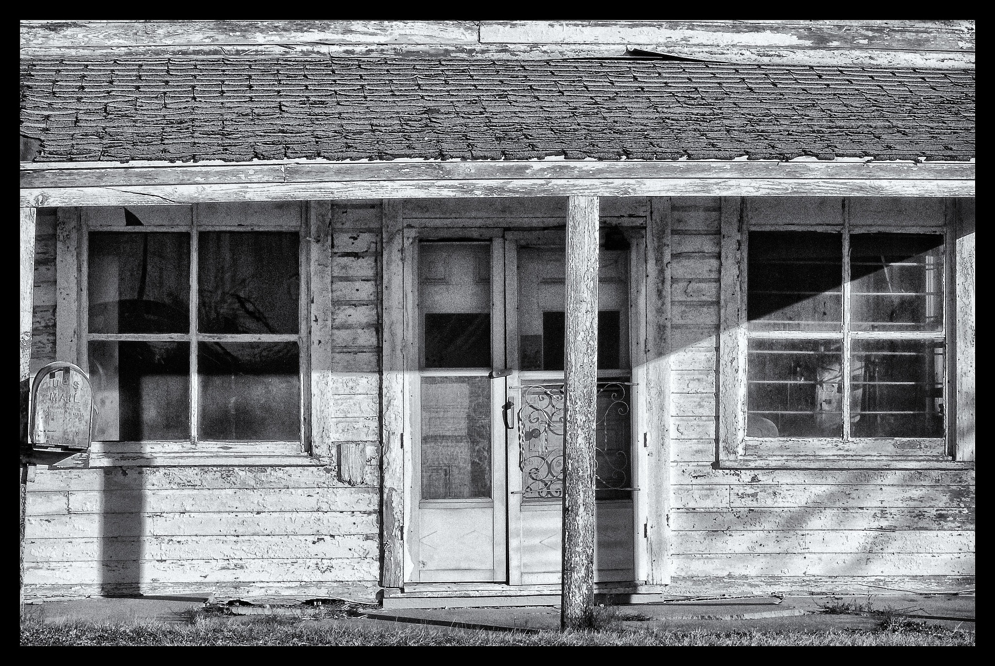 Storefront, Bonita, Kansas by dwjohnson