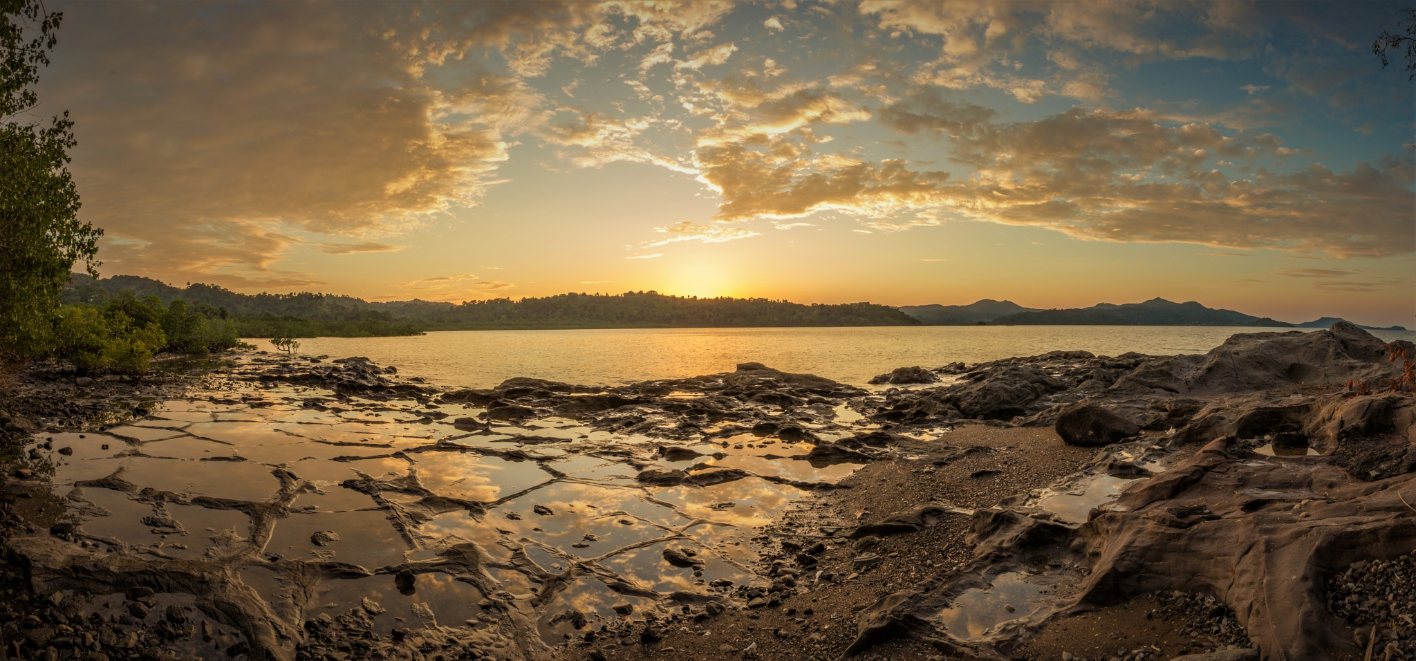 Panoramic picture of the sunset in Longoni, Mayotte by Nicolas F.