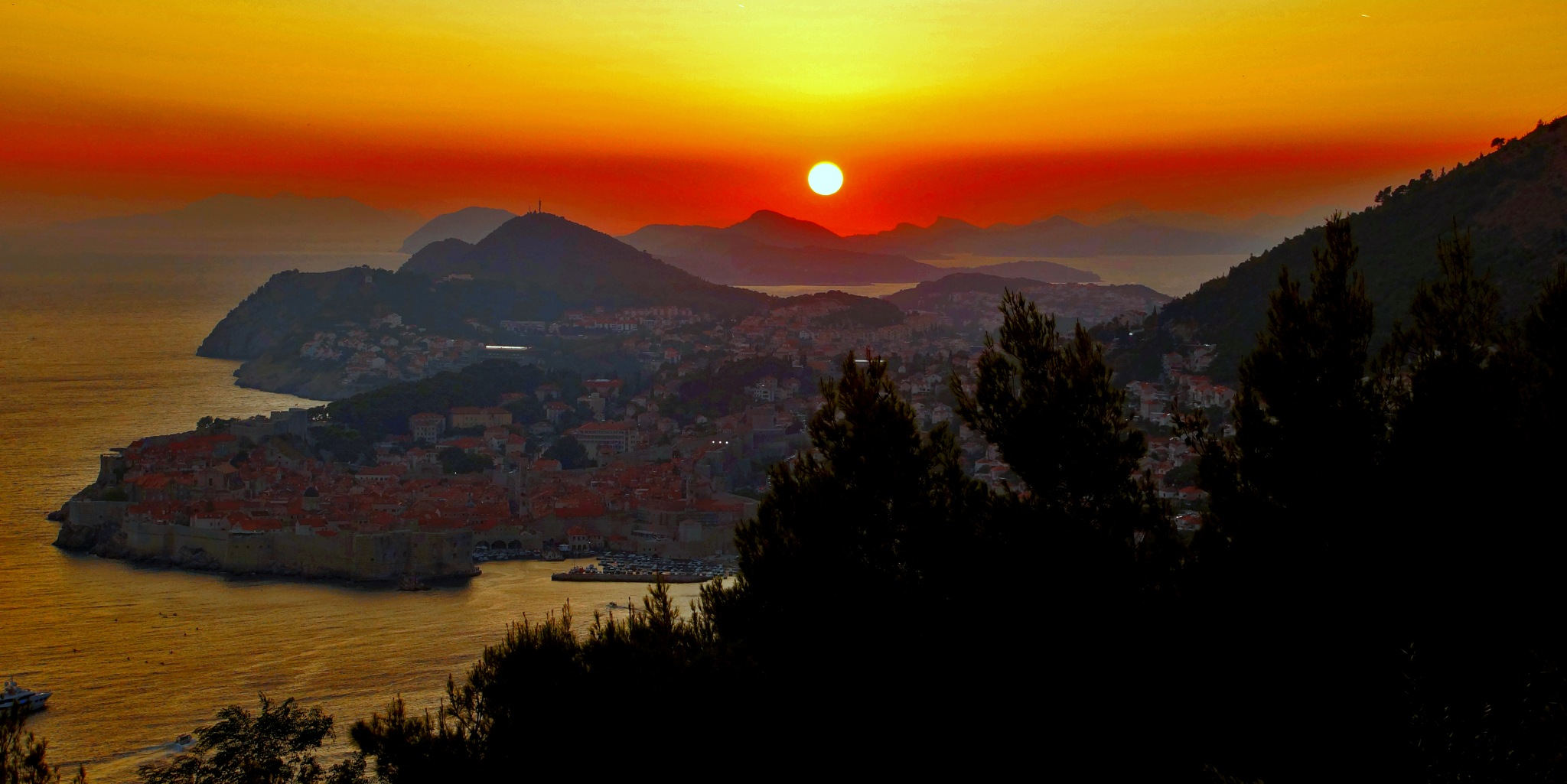 Sunset in Dubrovnik by darko1965