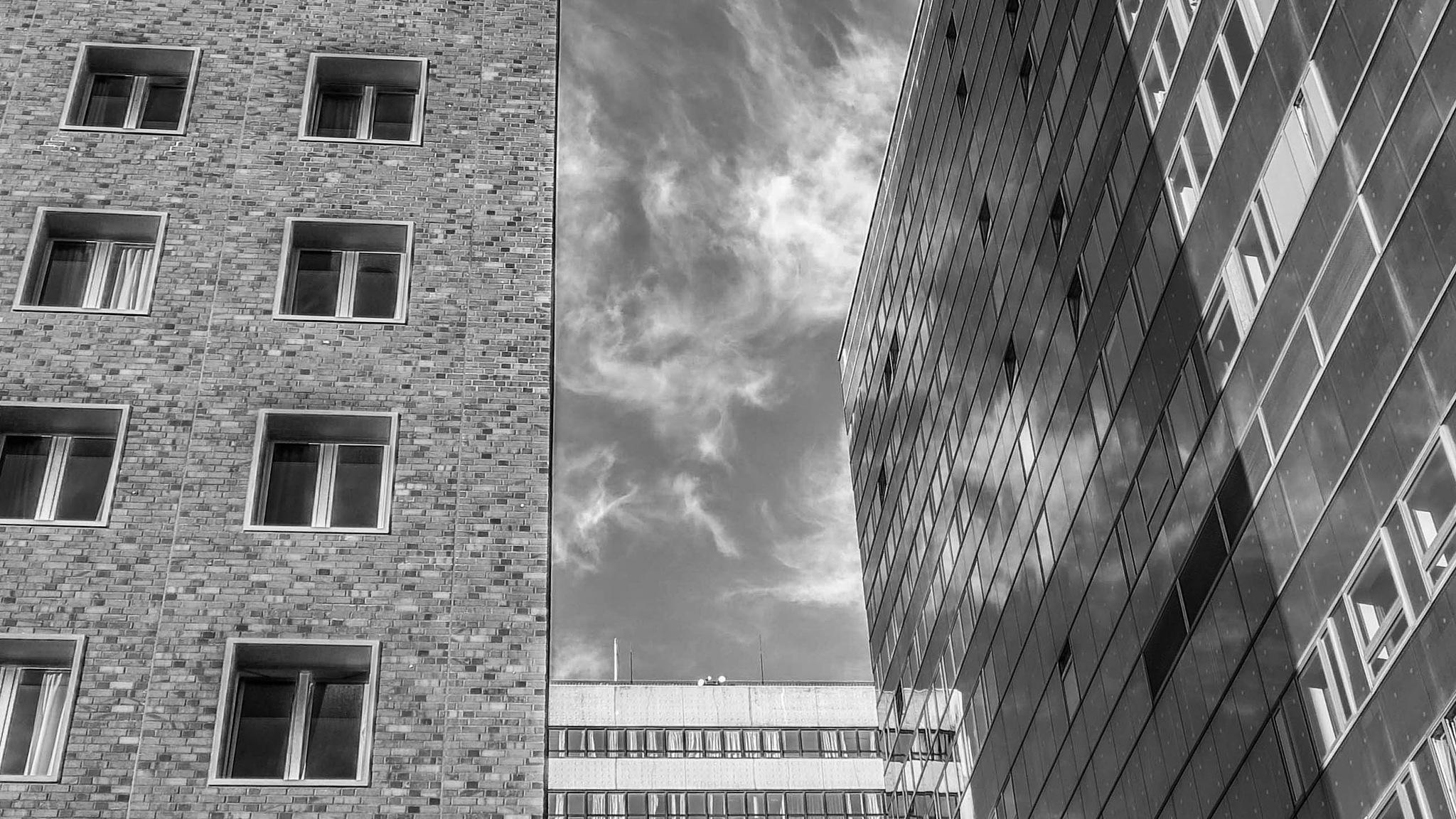 arrangement of three buildings /BW by Aaron Dannenberg