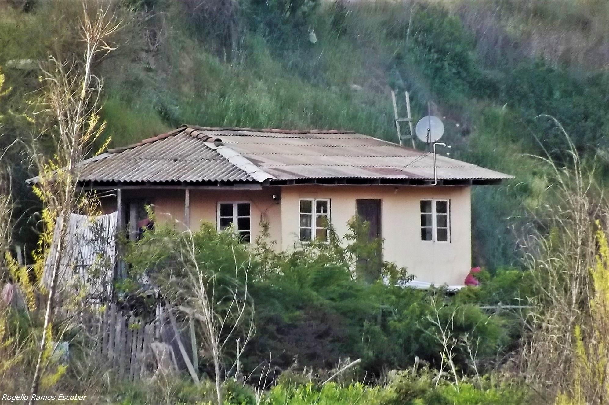 Casa rural by Rogelio Ramos Escobar