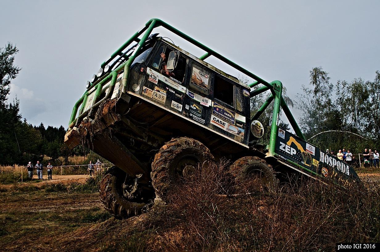 truck trial 3 by Igor Bielický