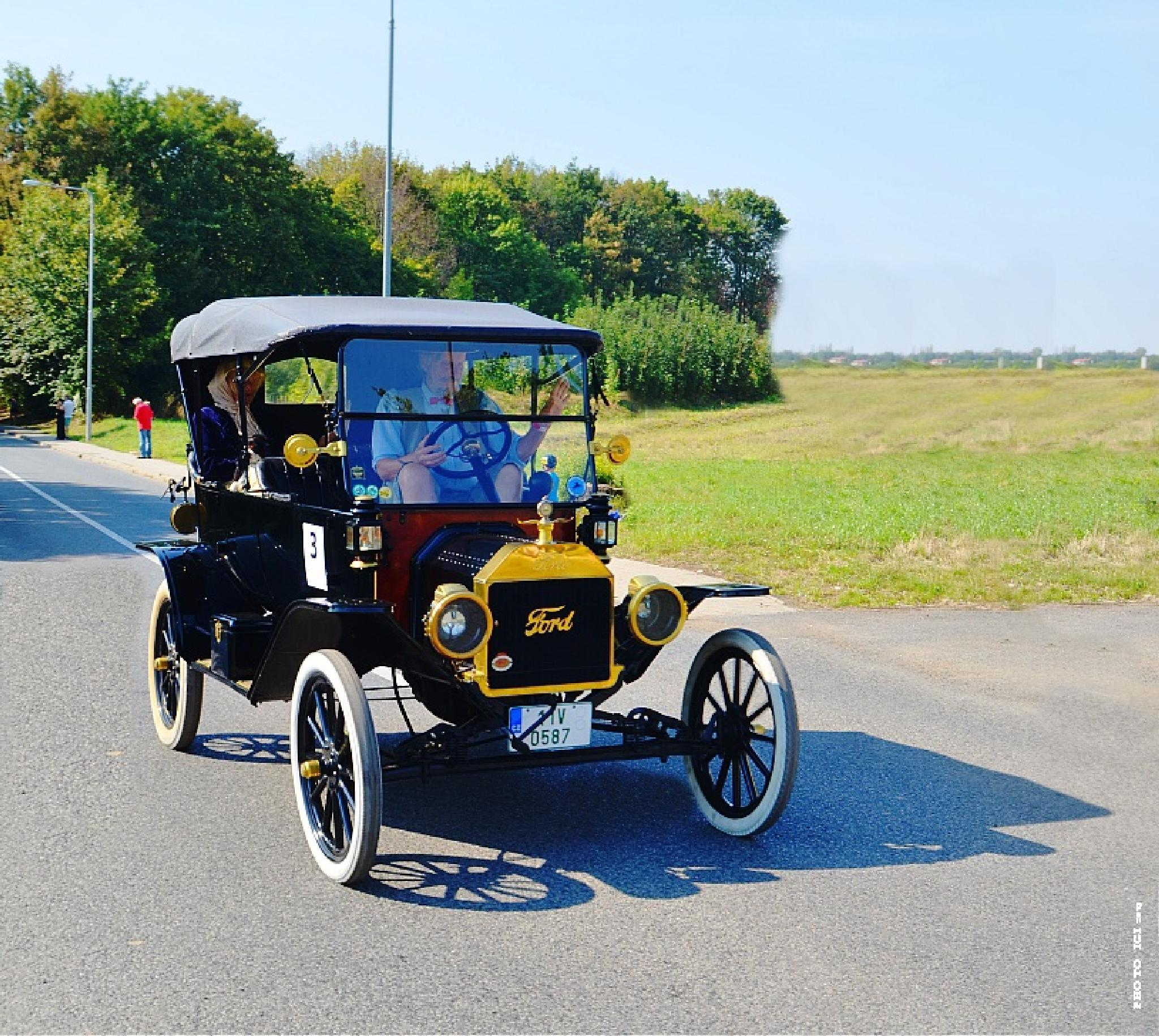 old car  by Igor Bielický