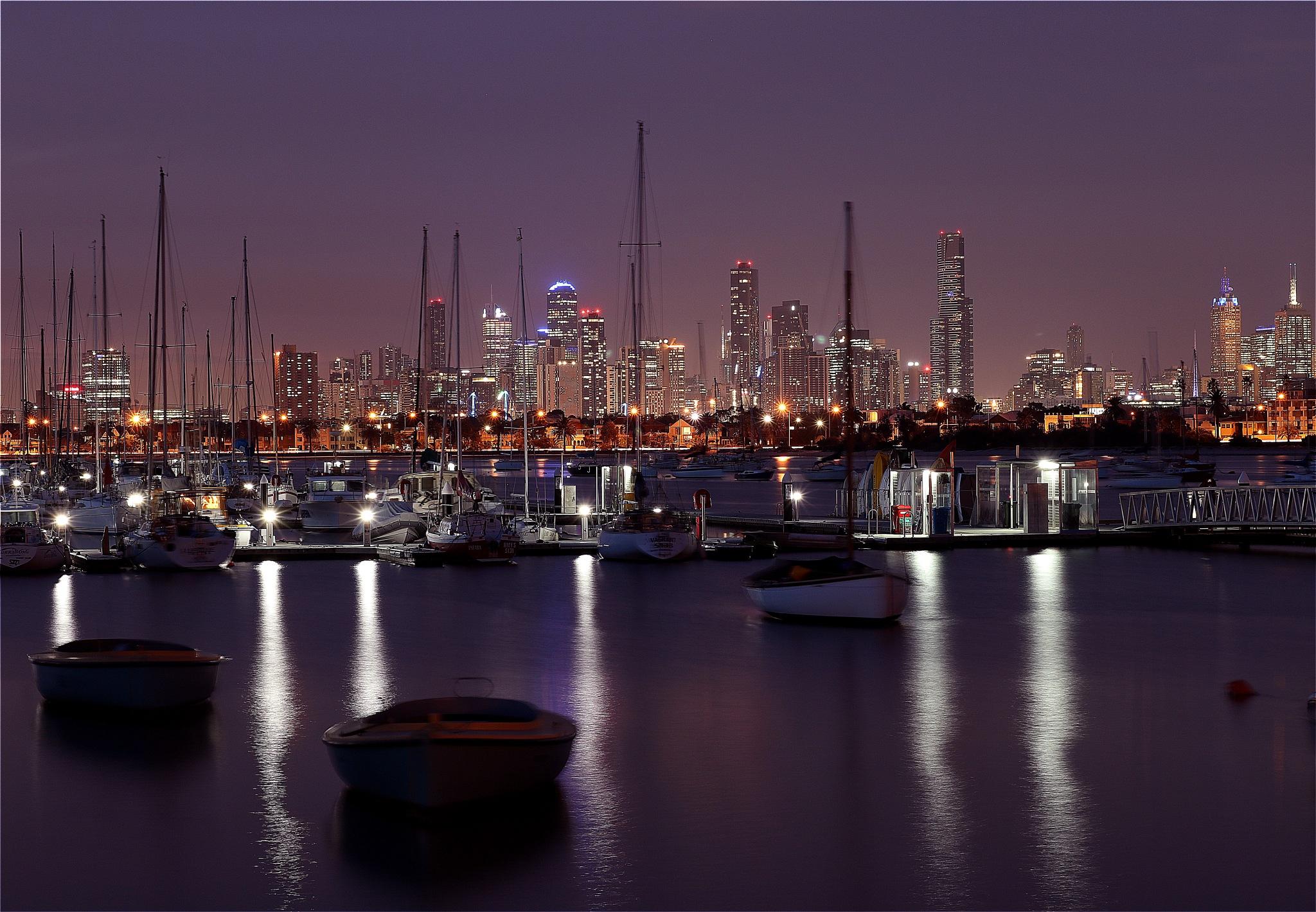 """Melbourne Skyline"" by Luca Fabbro"