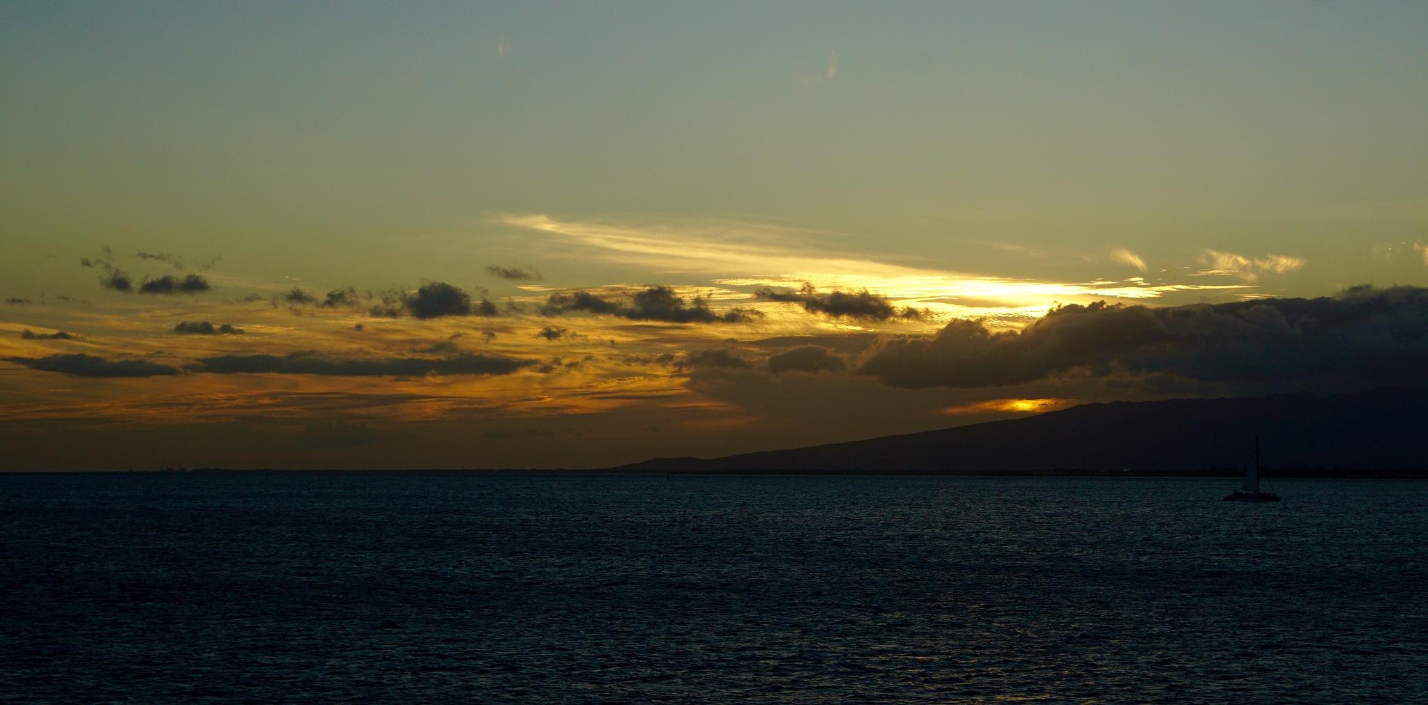 Island sunset by havnfn