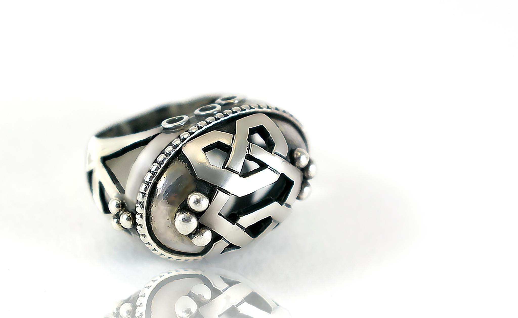 ring by Samir Mostafa