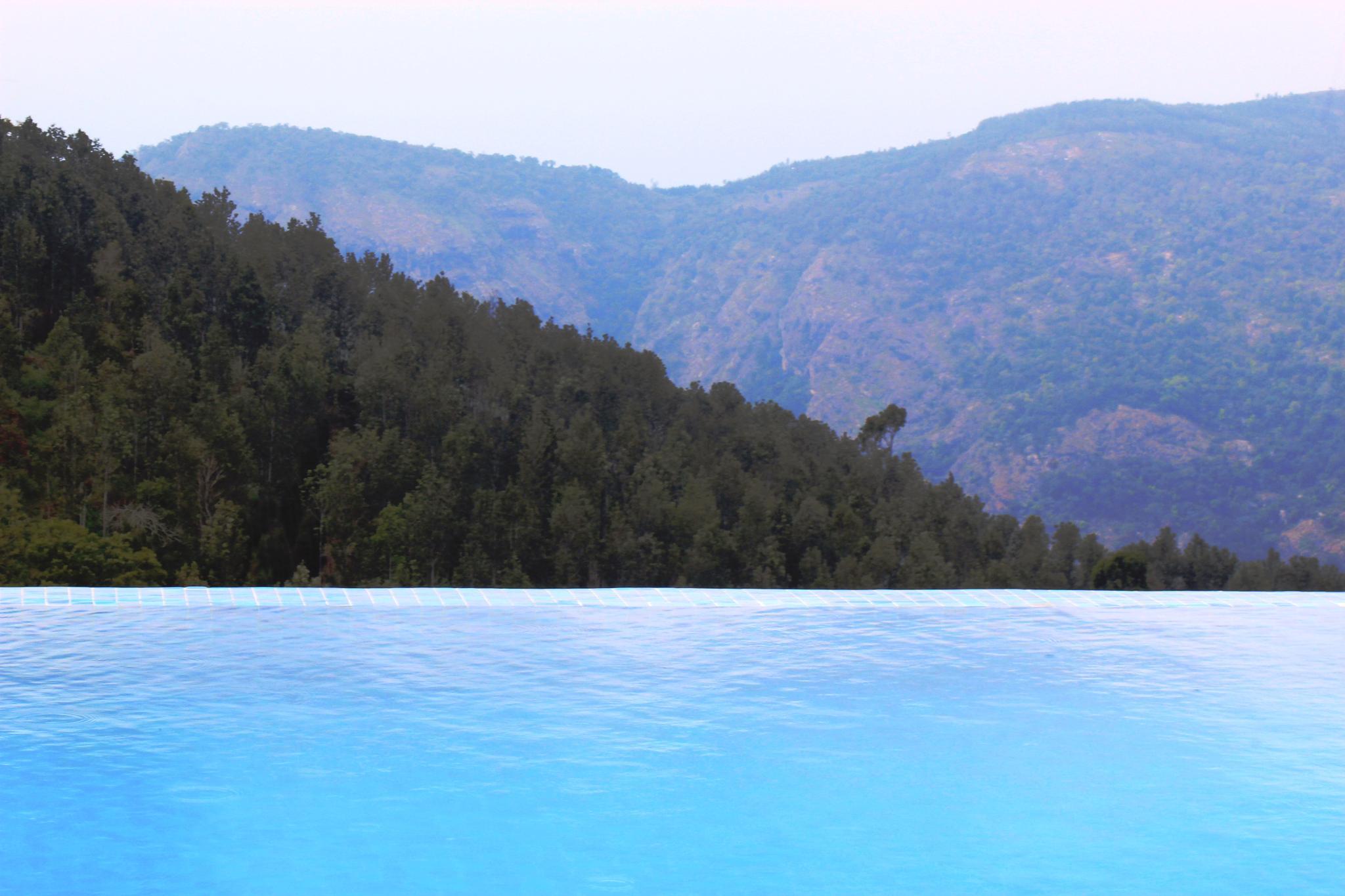 Pool#Edge by Gee Iyappan
