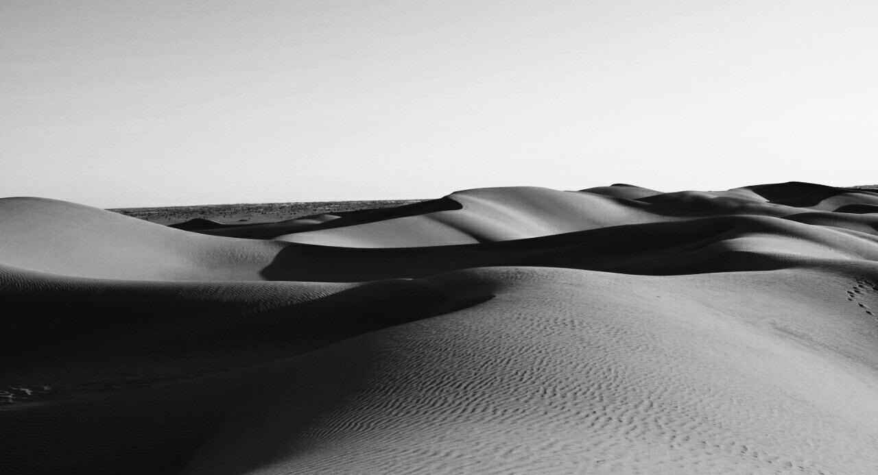desert  by Ilyes Madjidi