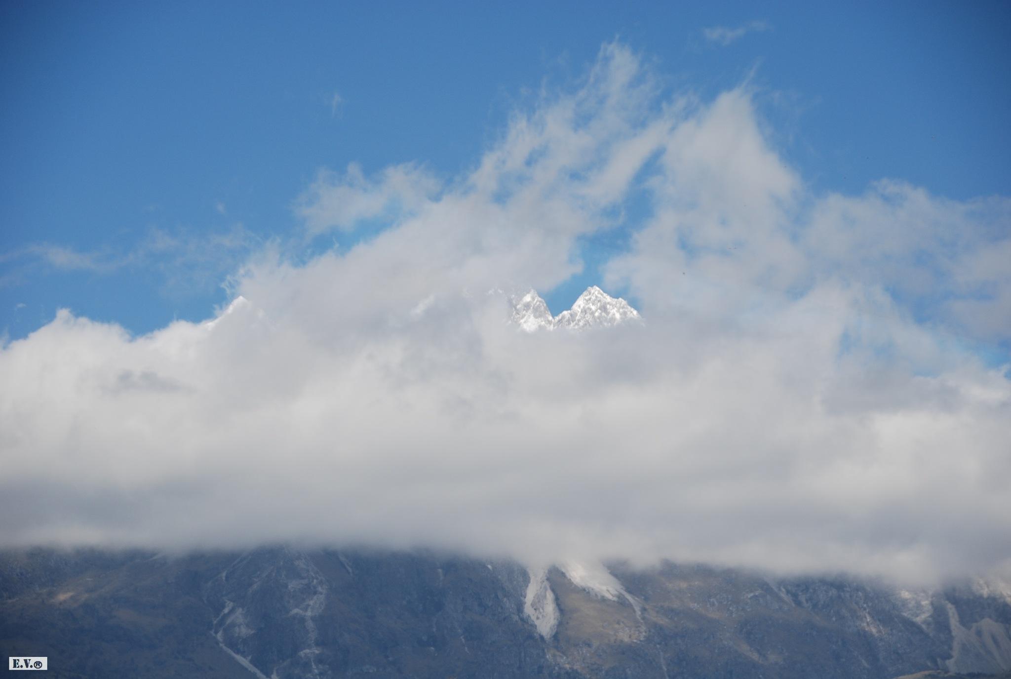 Volcano by vishezi