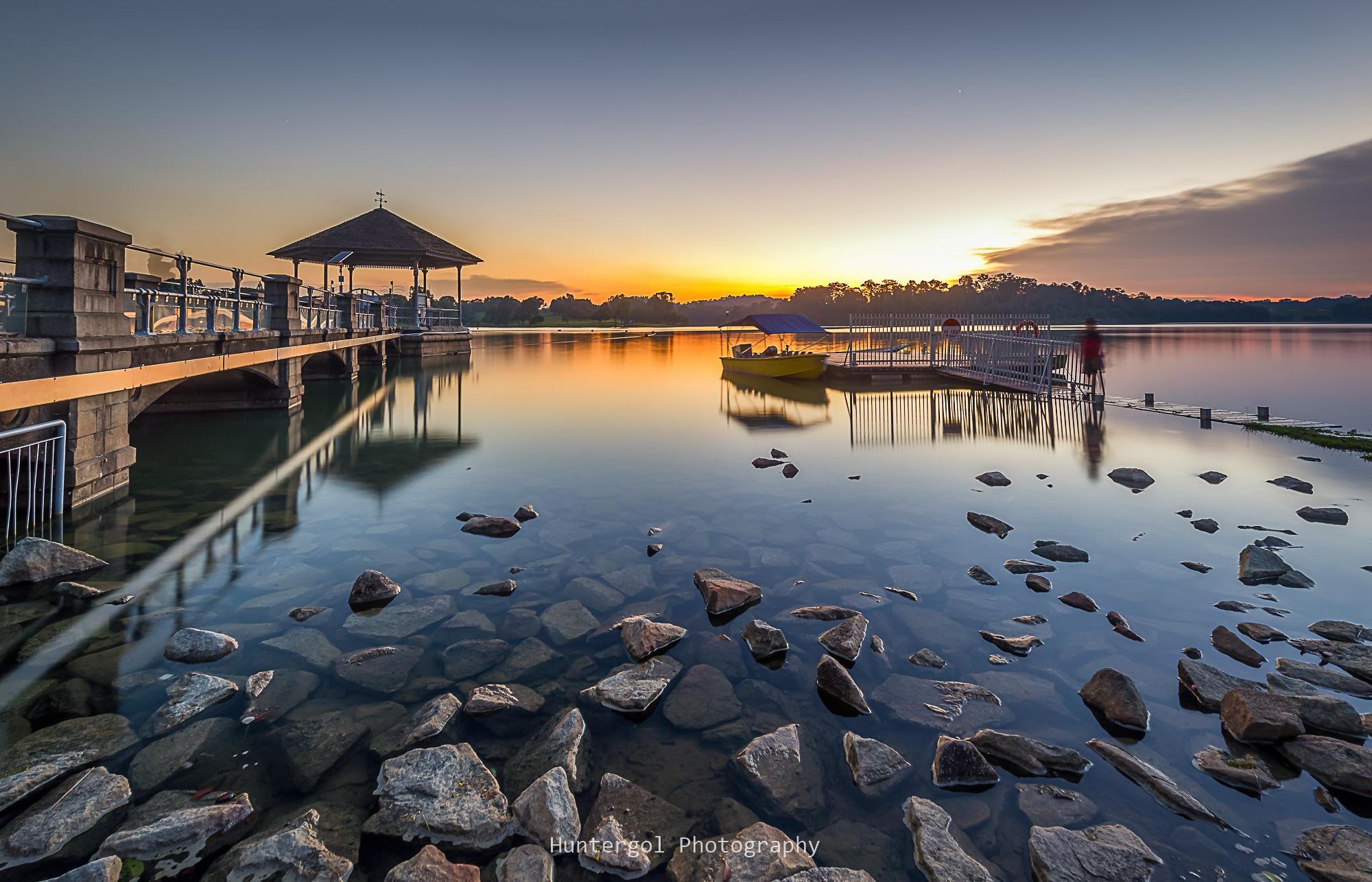 Peaceful sunset by huntergol