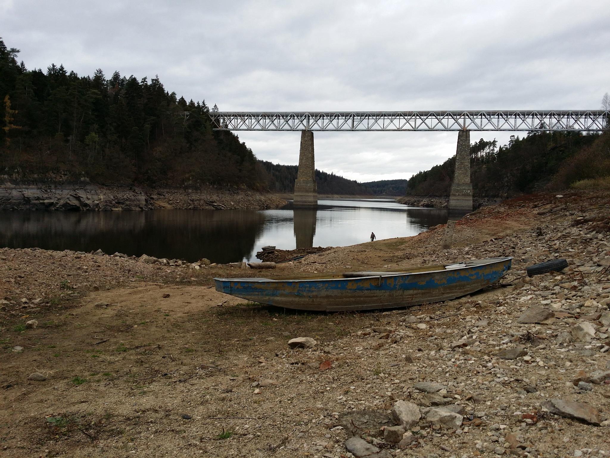 Dry dam by CARRADORE