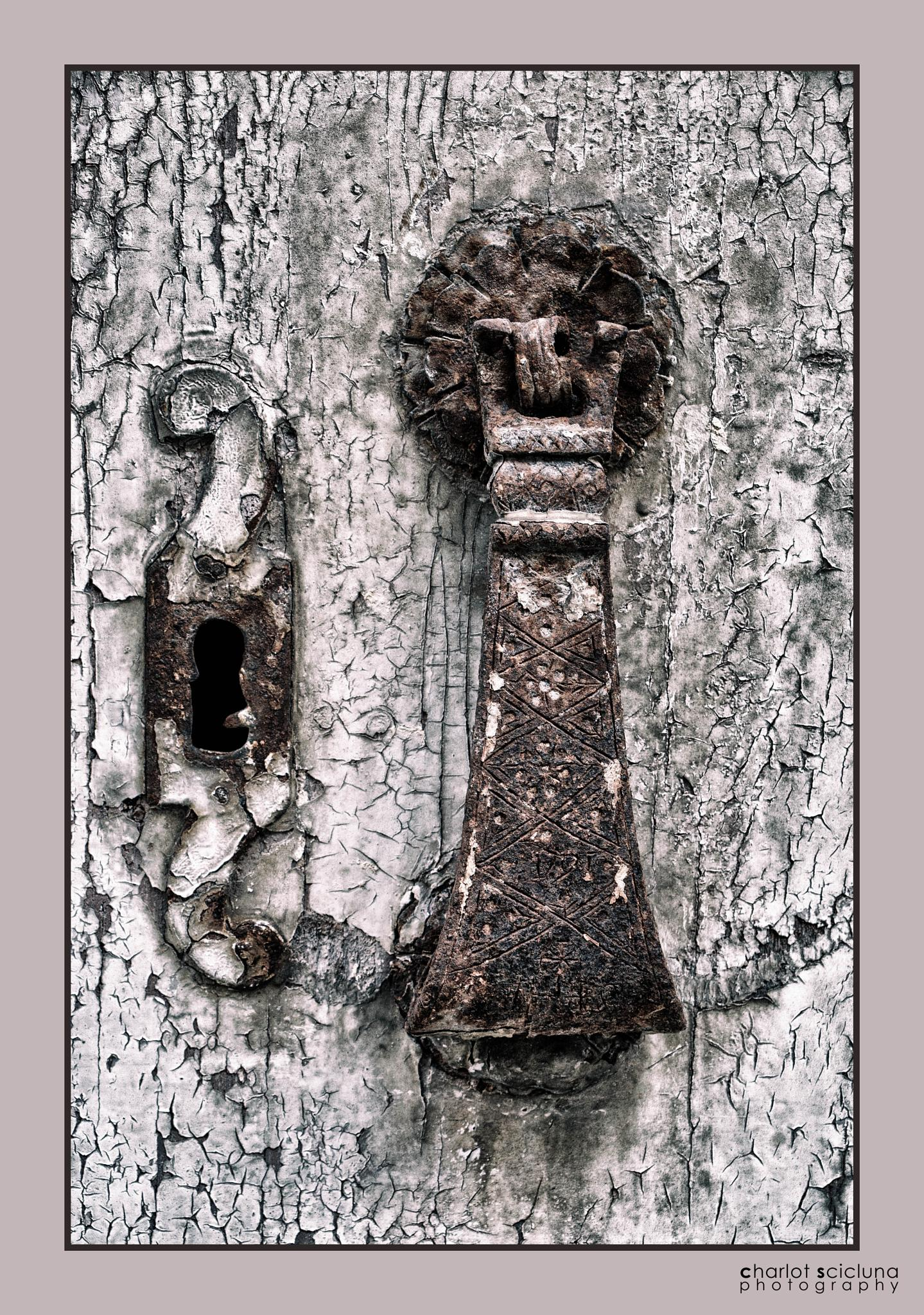 A door knob from 1791 by Charlot Scicluna