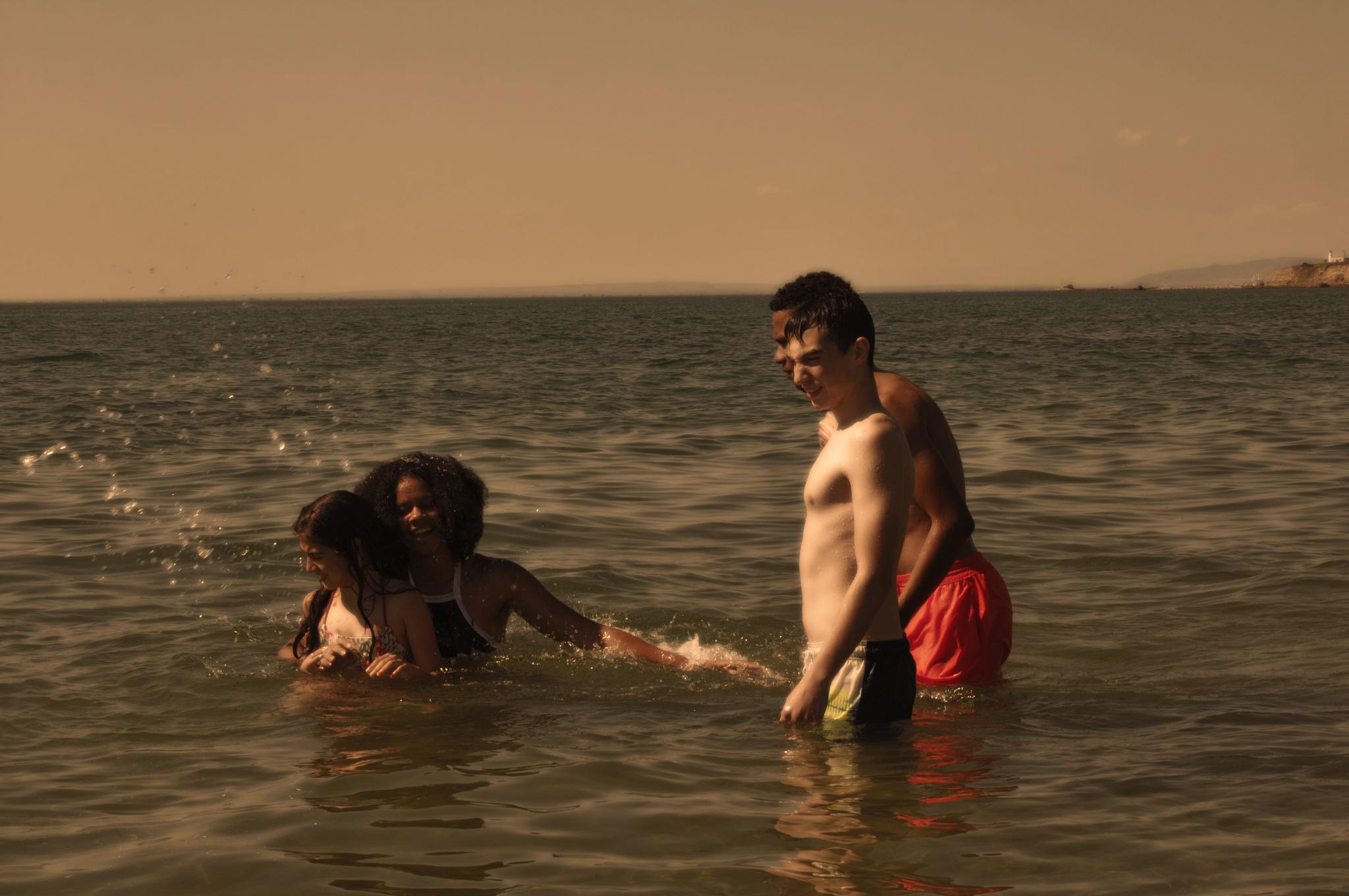 Αγάπη, χαρά, ήλιος, θάλασσα. by Kathrine Anna